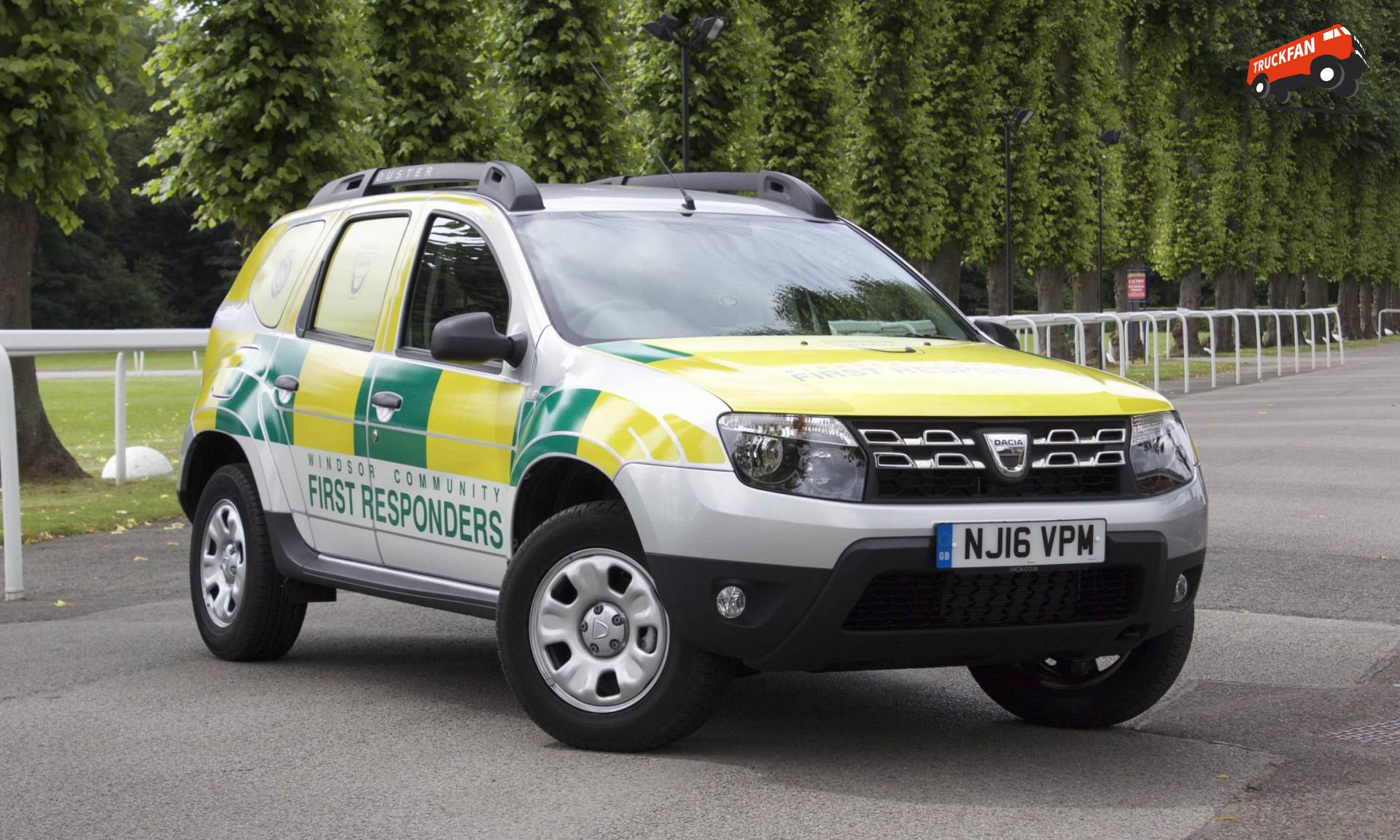 dacia duster joins windsor community first responders alex miedema. Black Bedroom Furniture Sets. Home Design Ideas