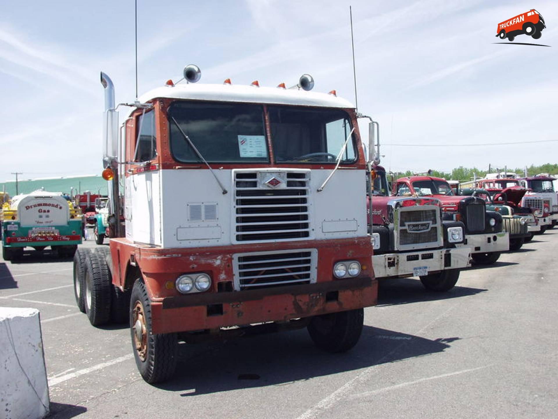 Diamond T 931CN