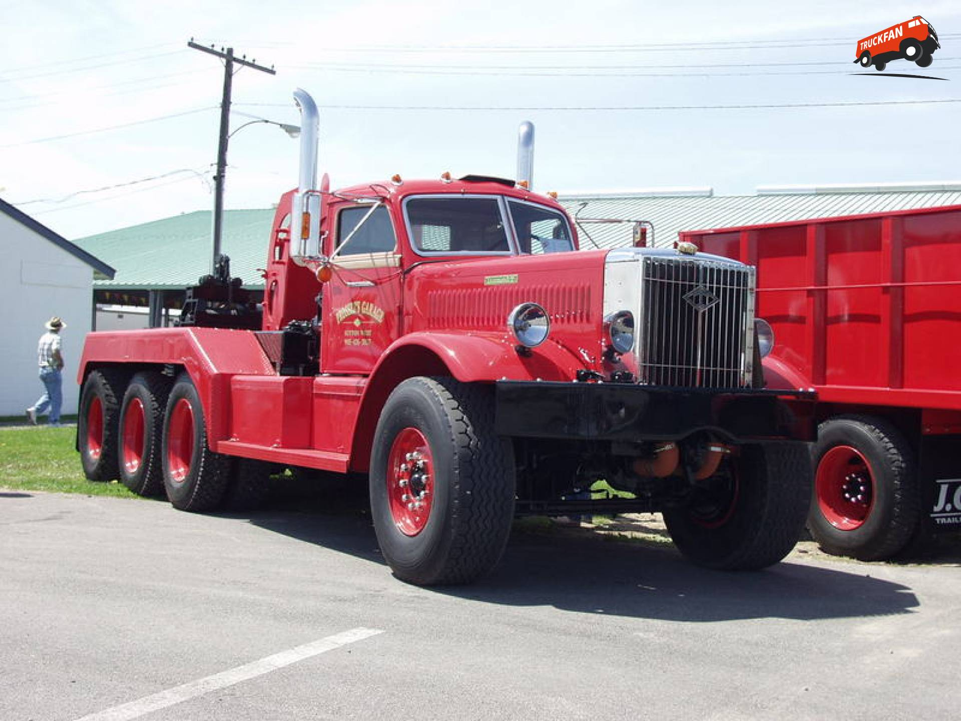 Diamond T 981