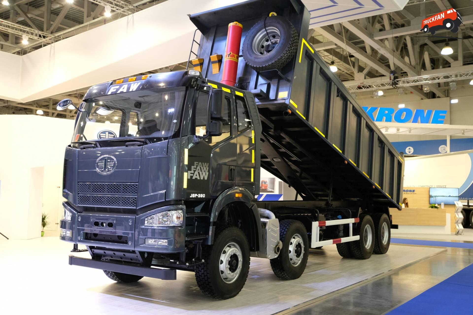 FAW J6P-390