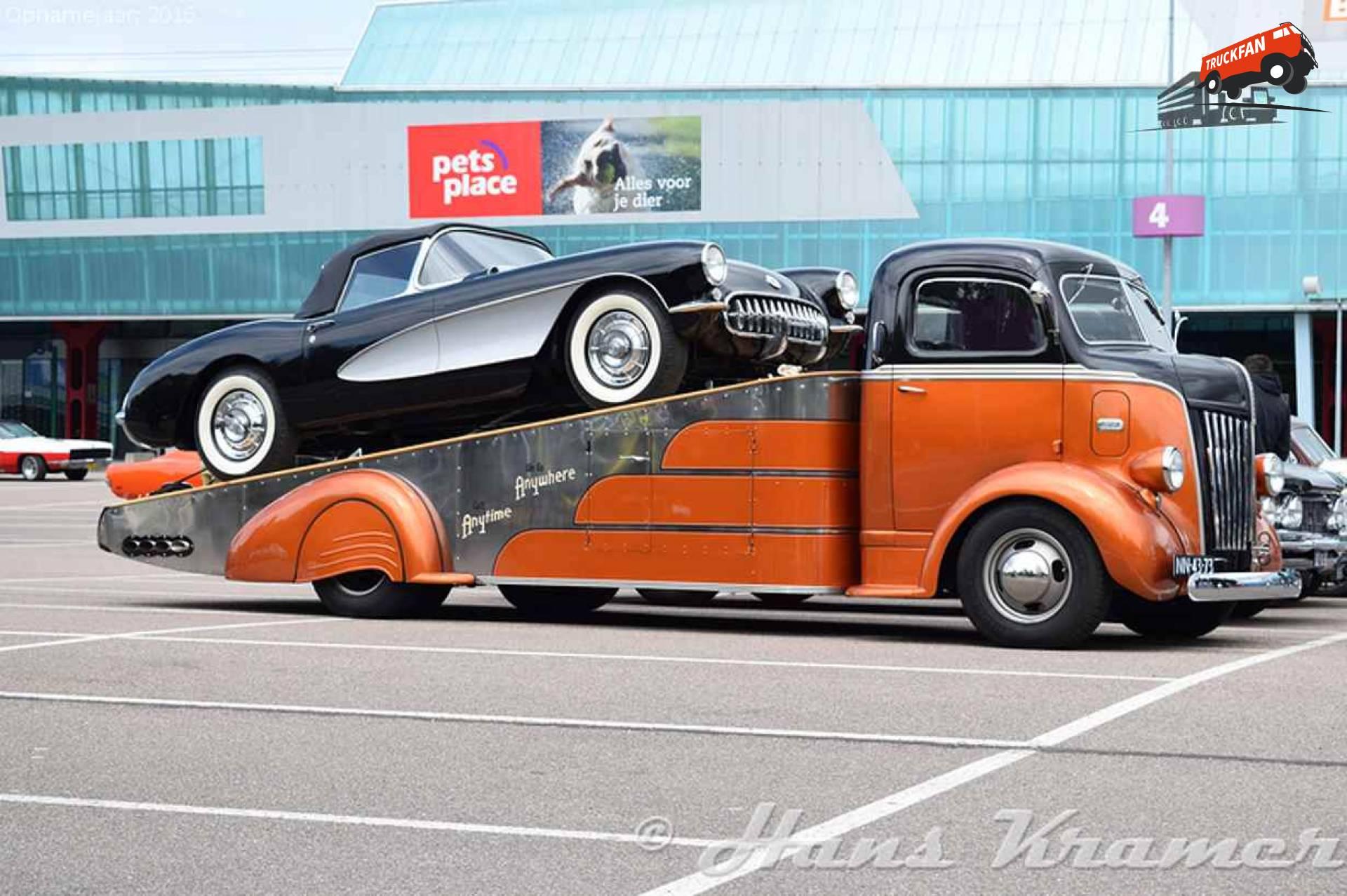 Ford V8 COE