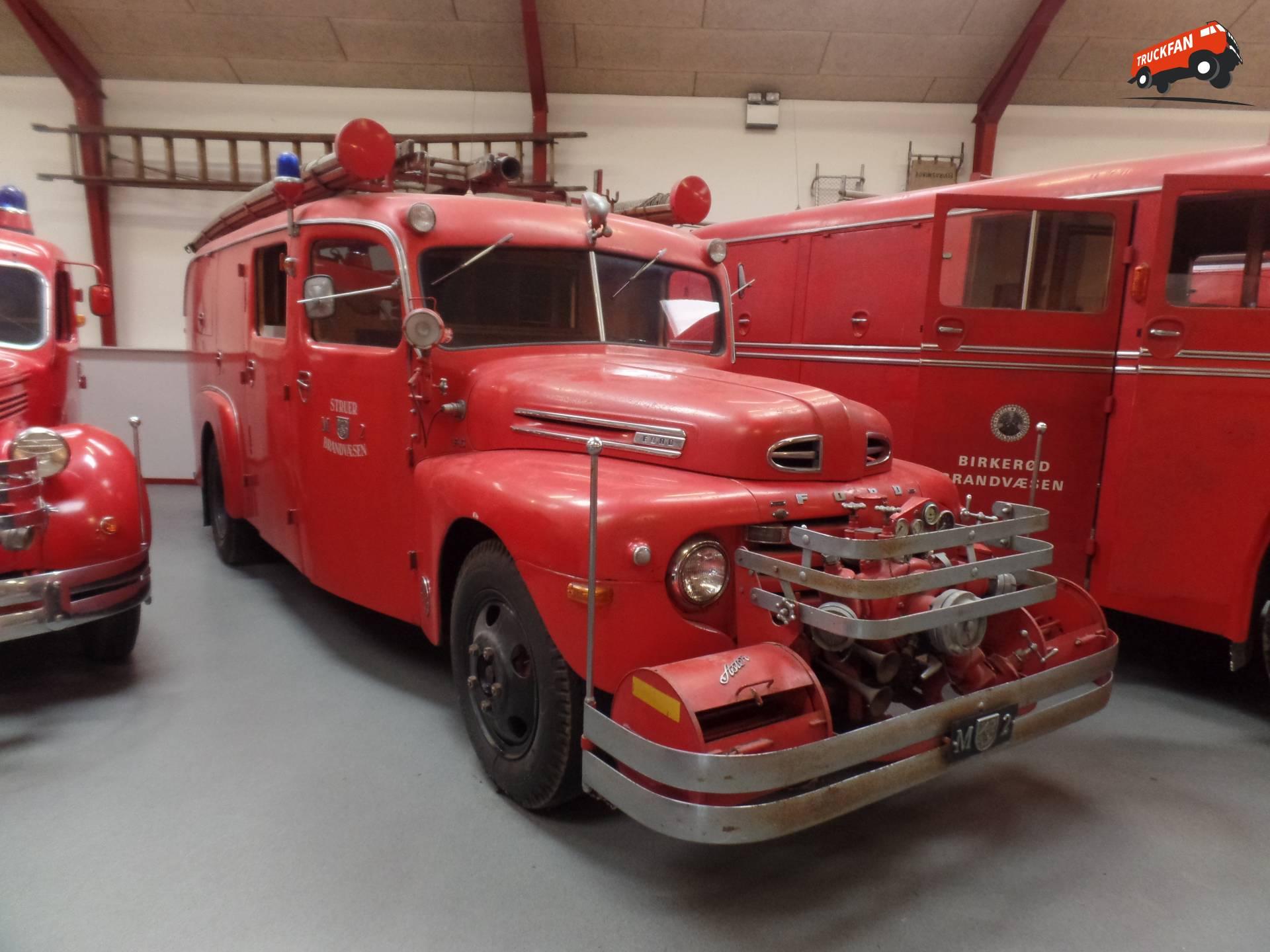 Dick Tijken Bij Brandbilmuseet In Oksb 248 L Denemarken