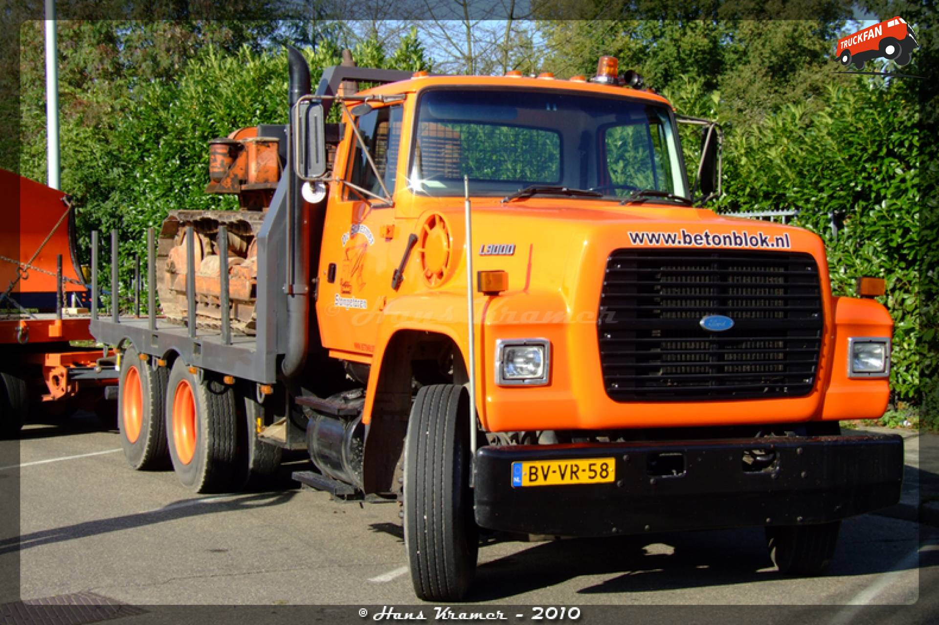 Ford L9000