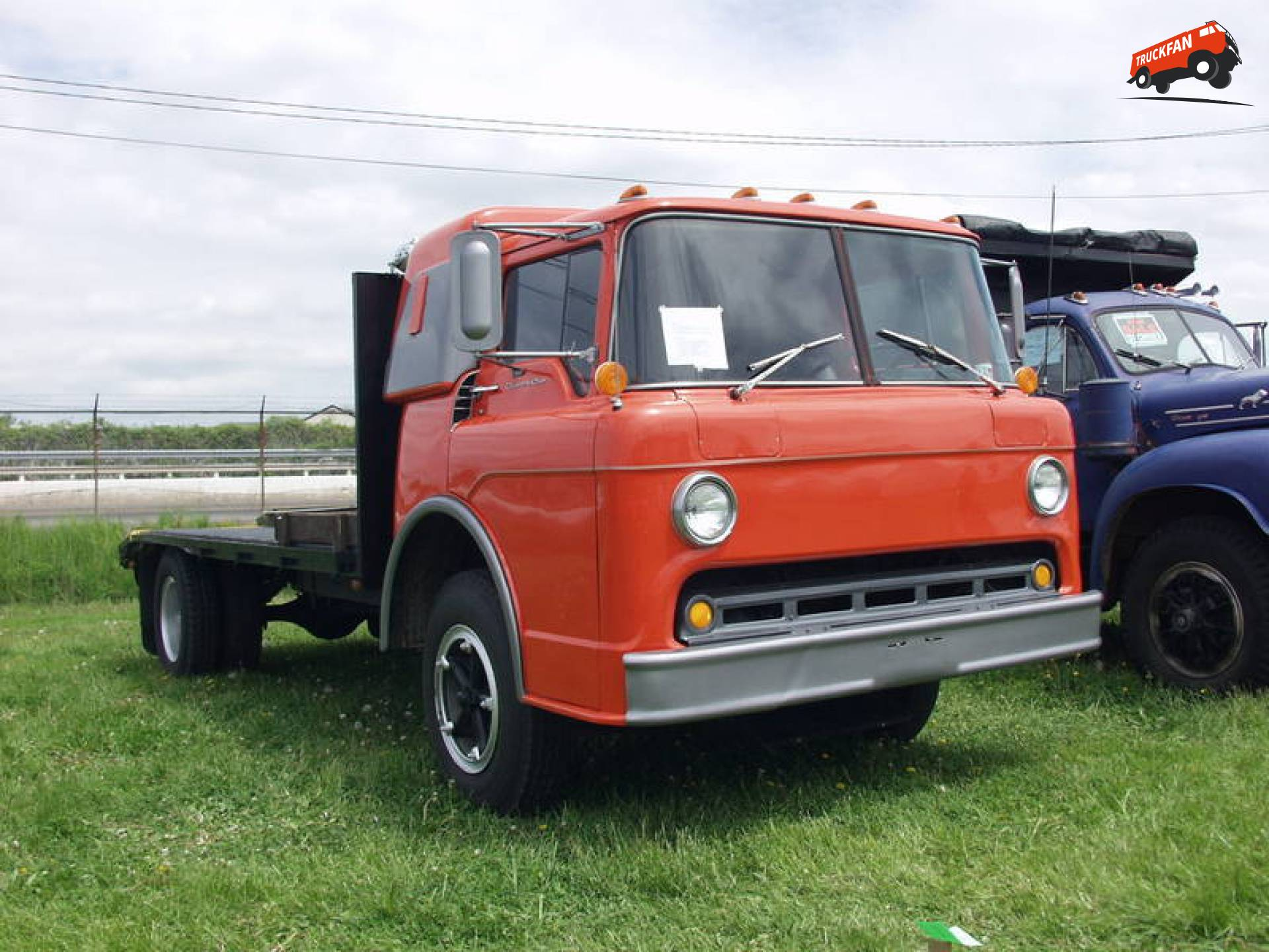 Ford C800