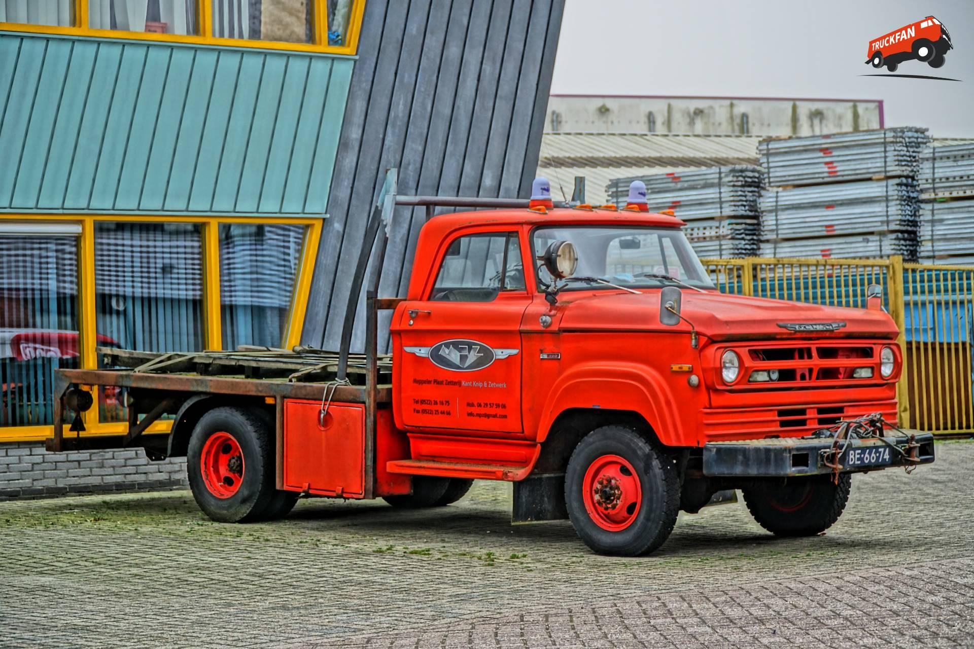 Mowag W300