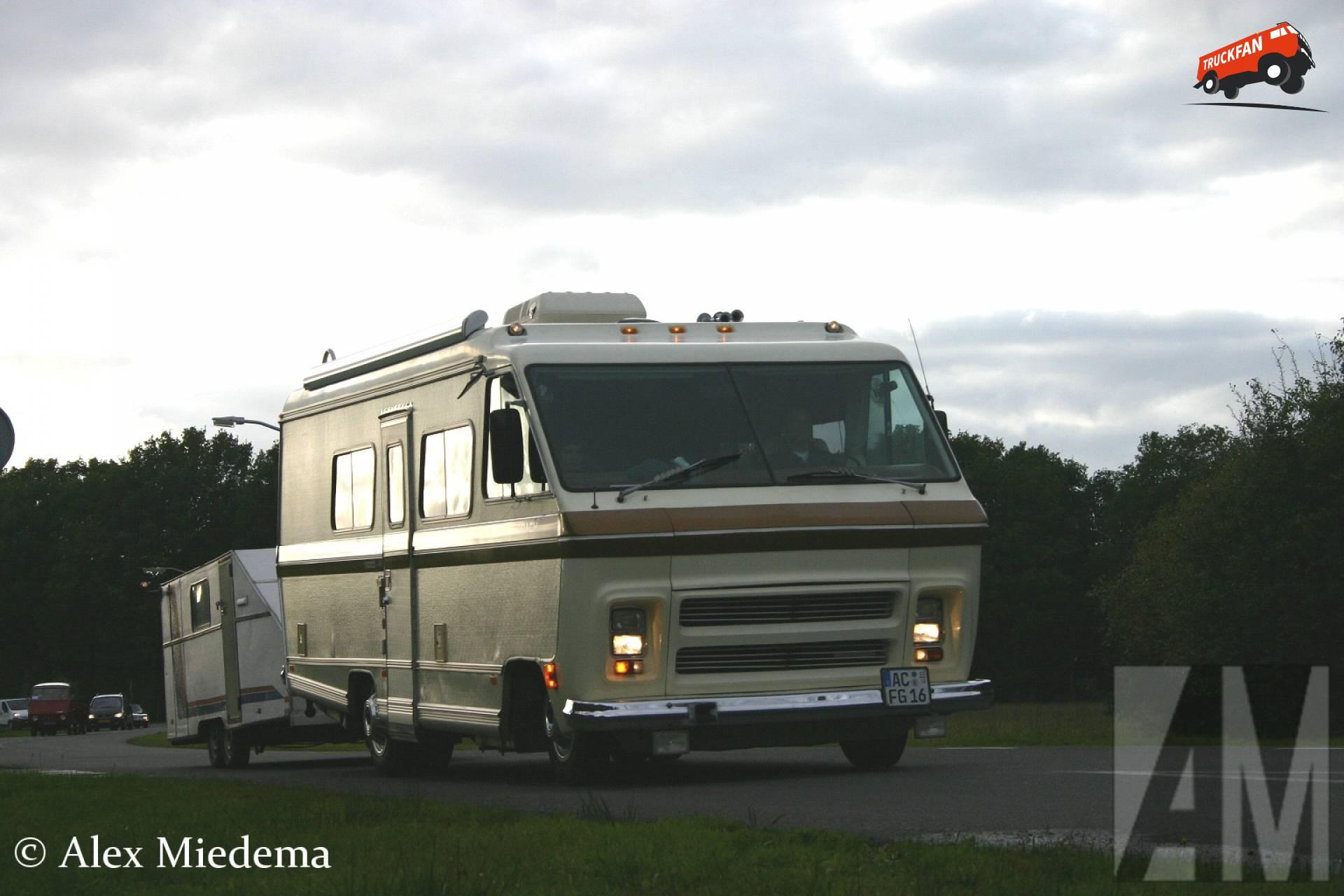 Sportscoach camper