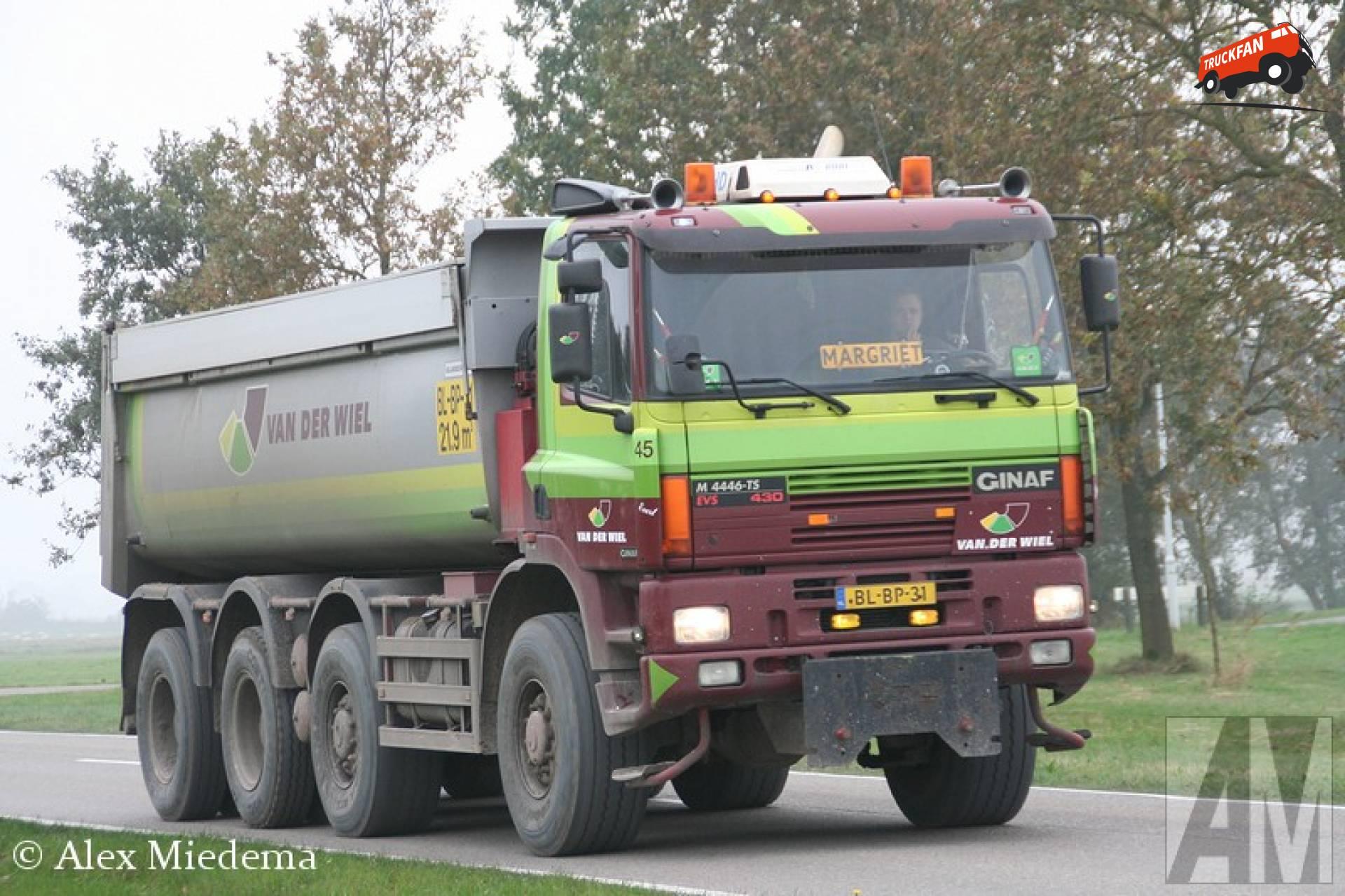 GINAF M4446-TS