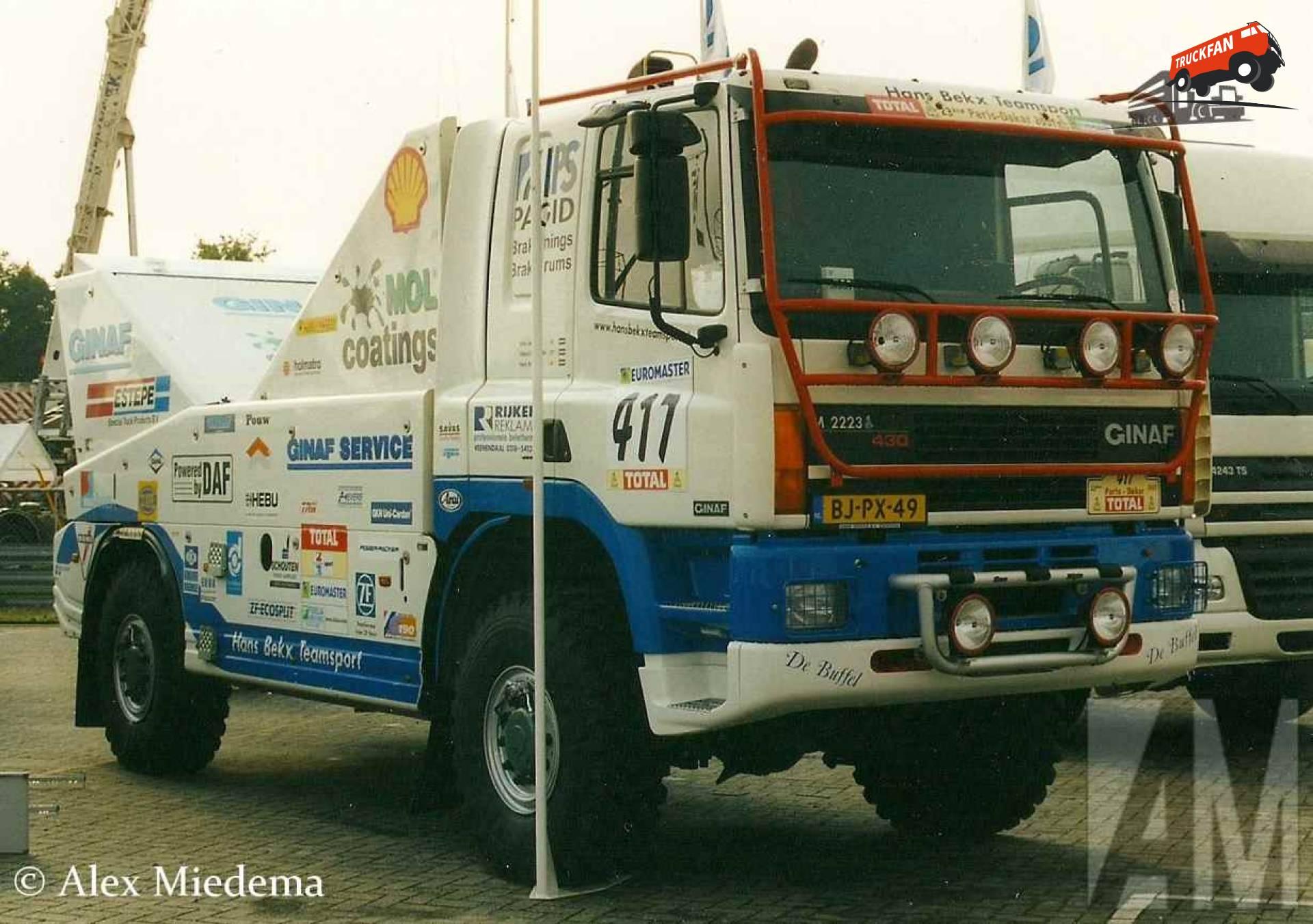 GINAF M2223