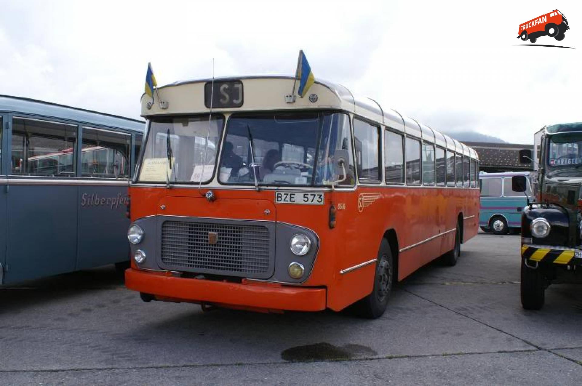 Hägglunds bus