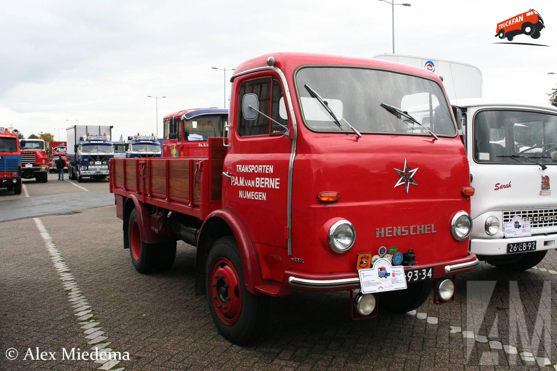 Henschel HS90
