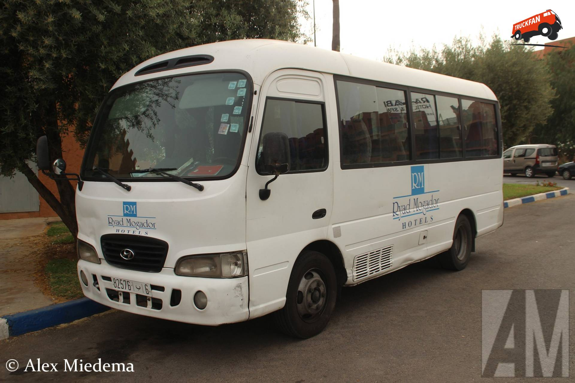 Hyundai bus