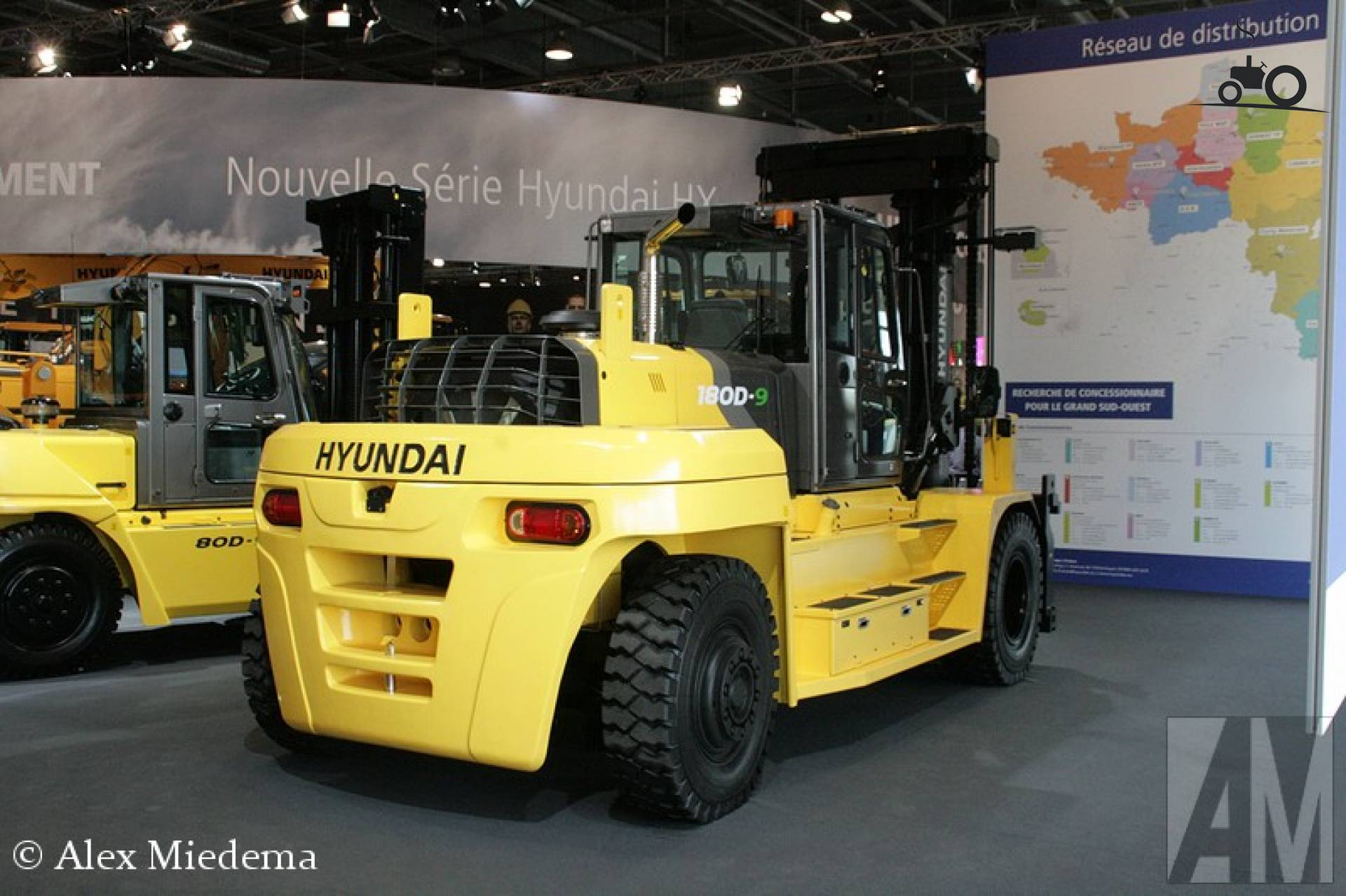 Hyundai 180D-9