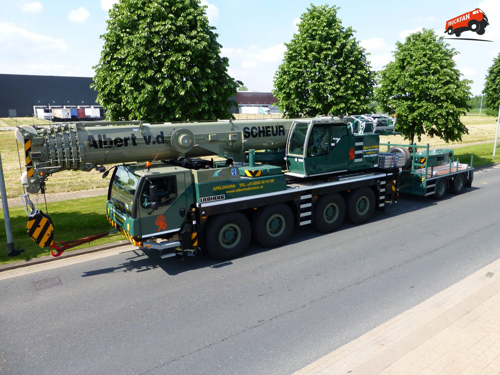 Liebherr LTM1090