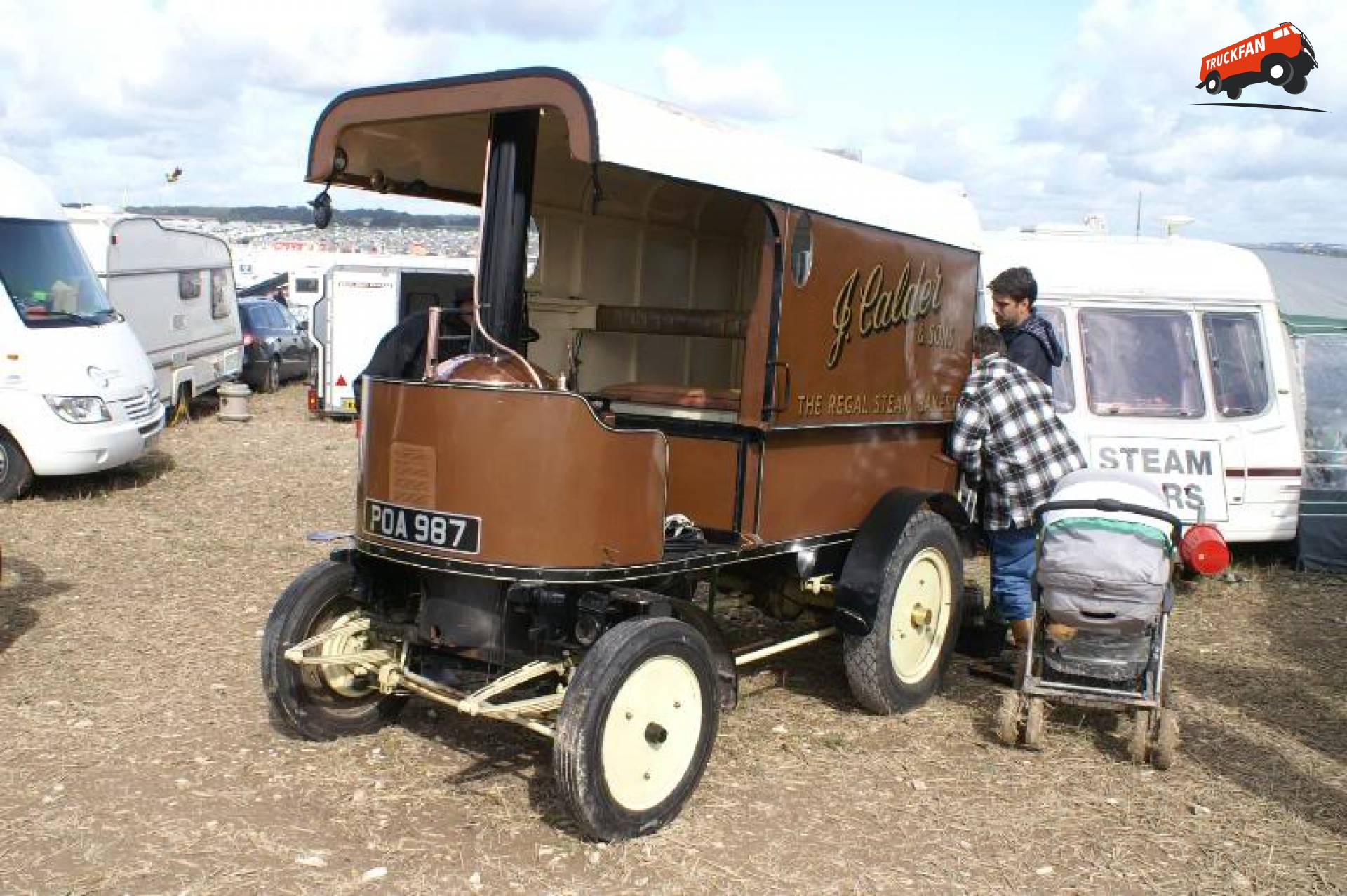 Locomobile steamvan