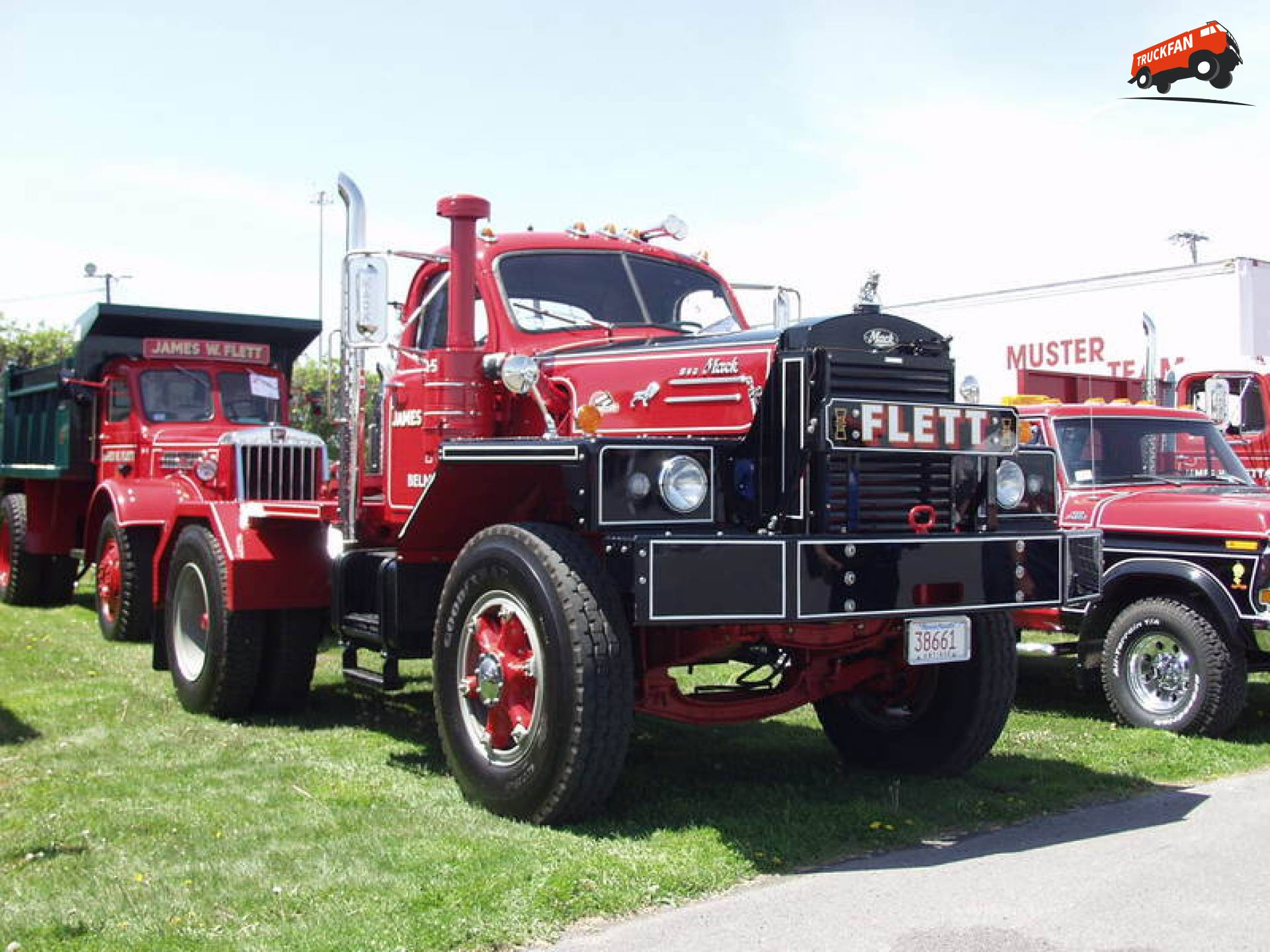 Mack B83X