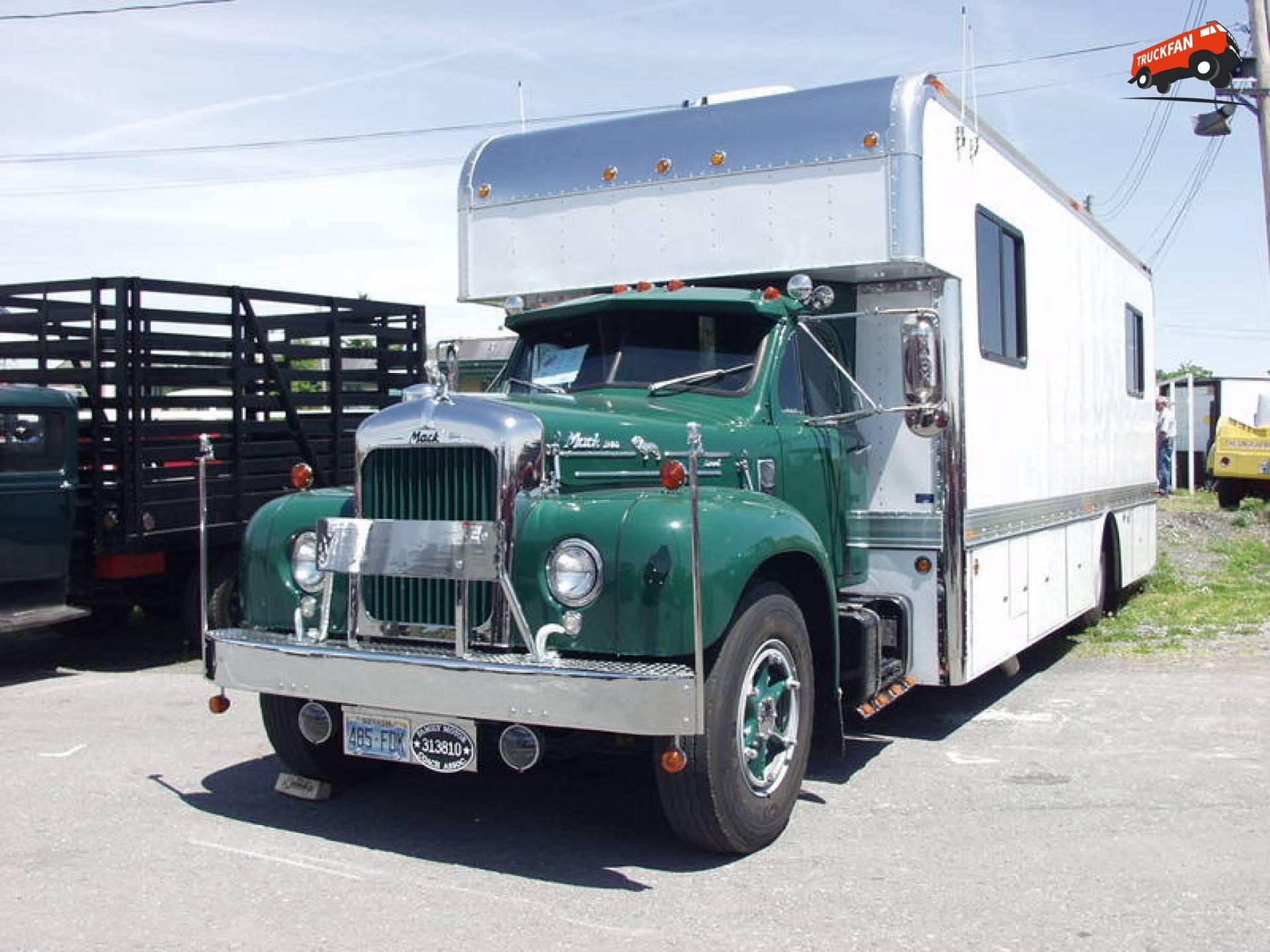 Mack B95F