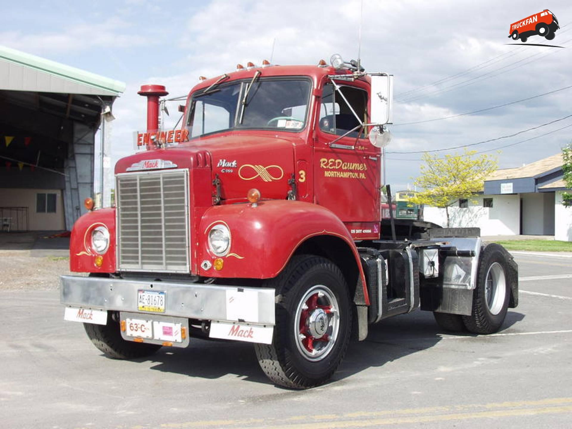 Mack C600