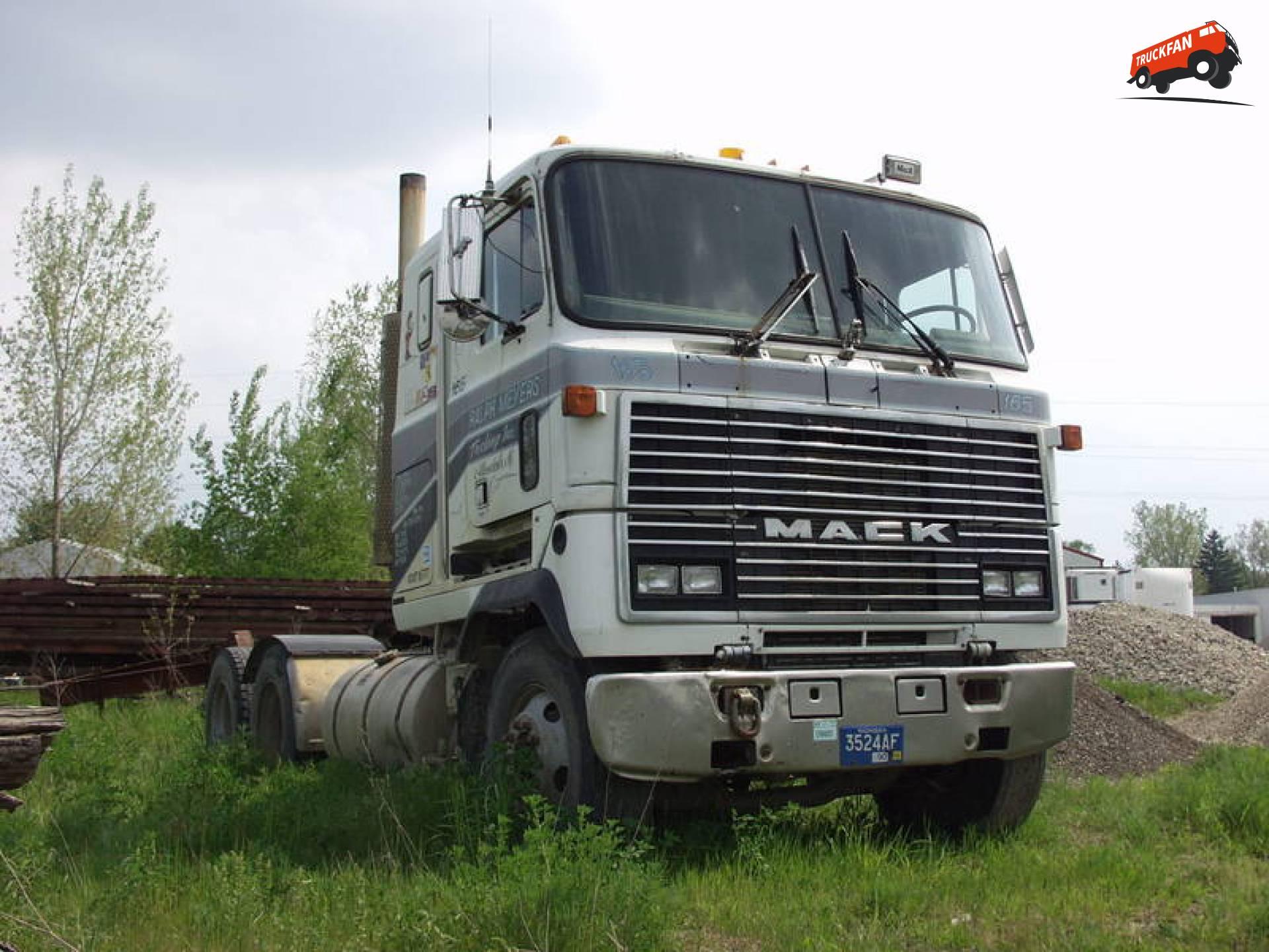 Mack MH (Ultraliner)