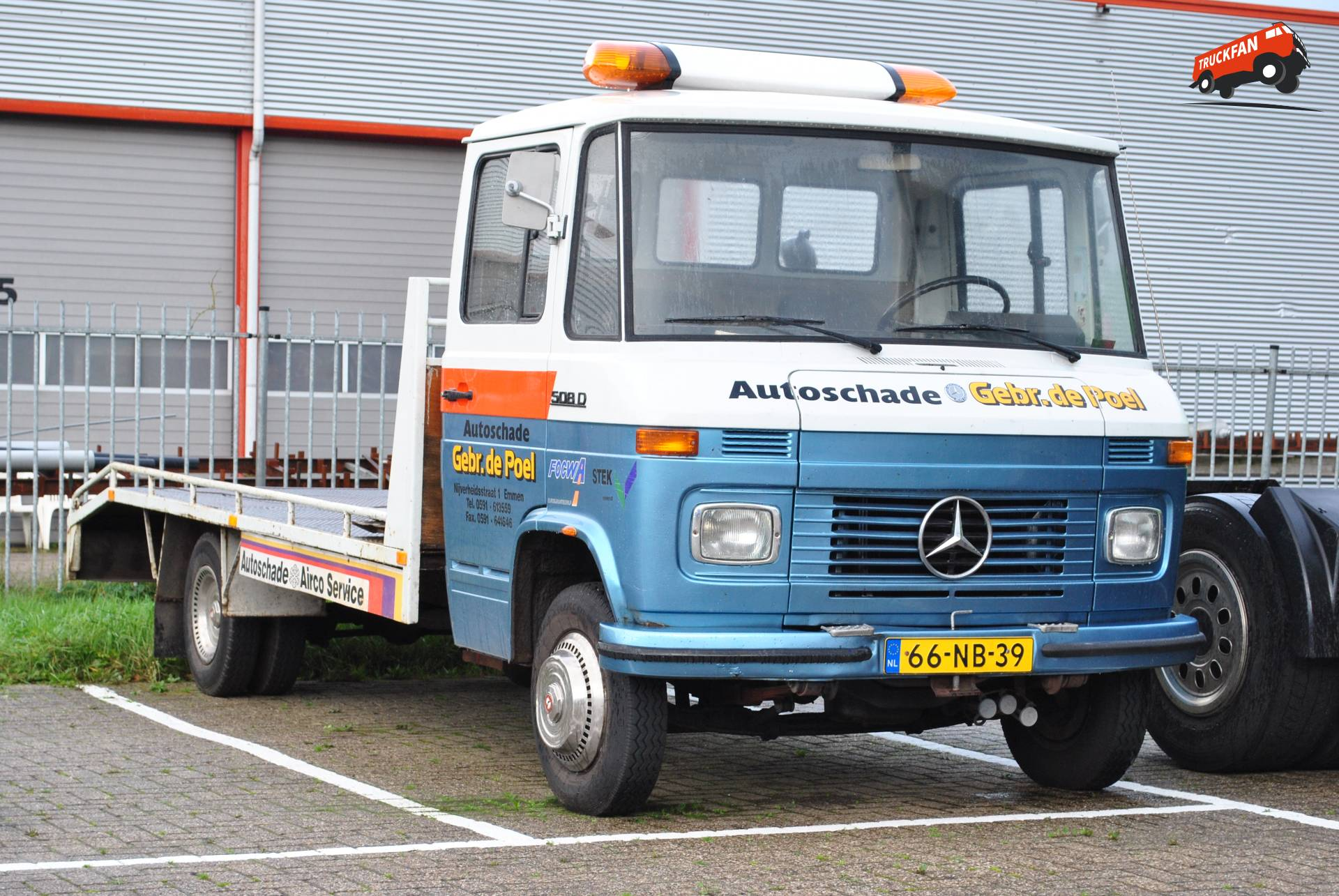 Trucks kieken week 45 for Mercedes benz katy