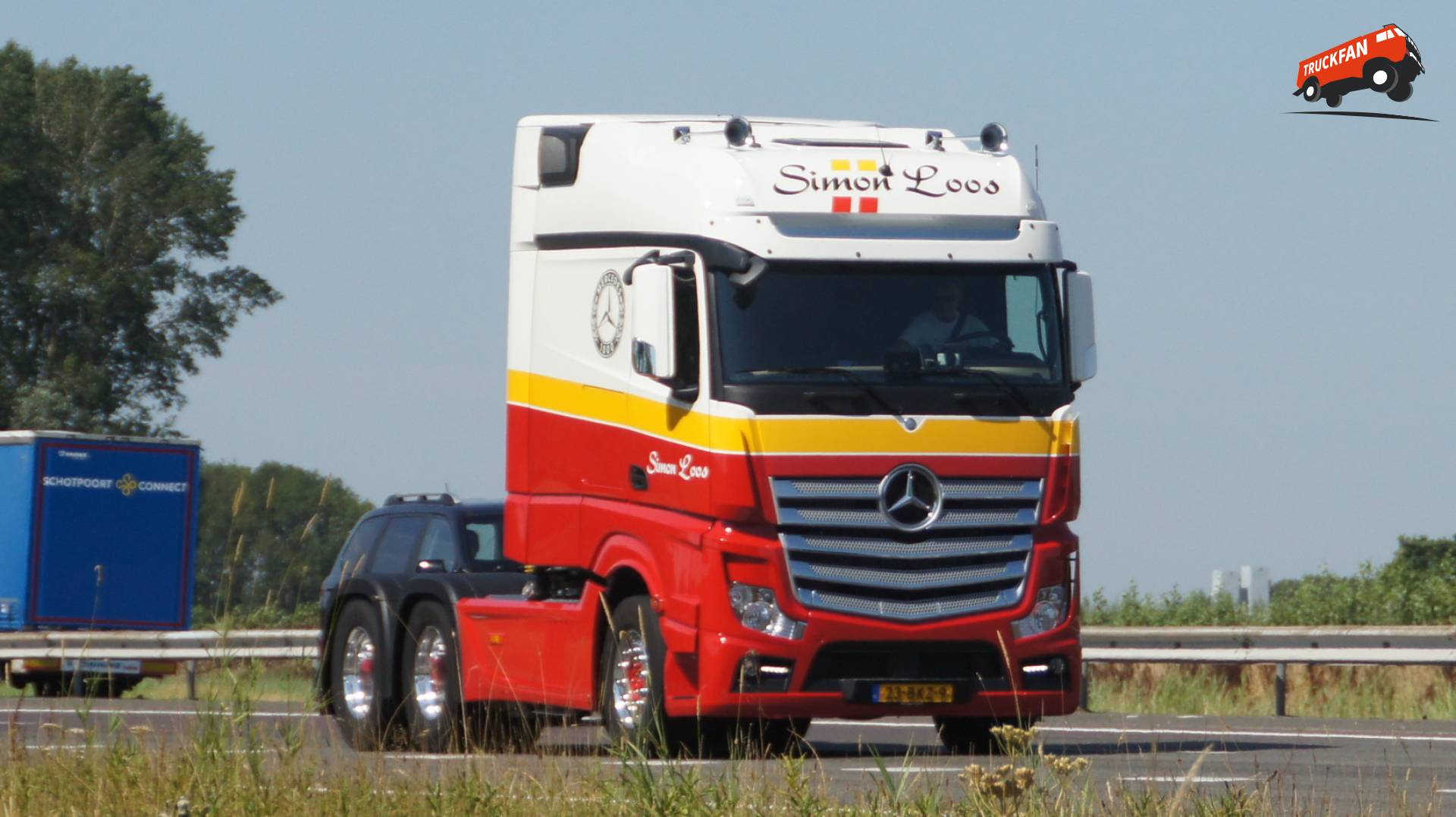 Foto mercedes benz actros van simon loos bv for Mercedes benz in