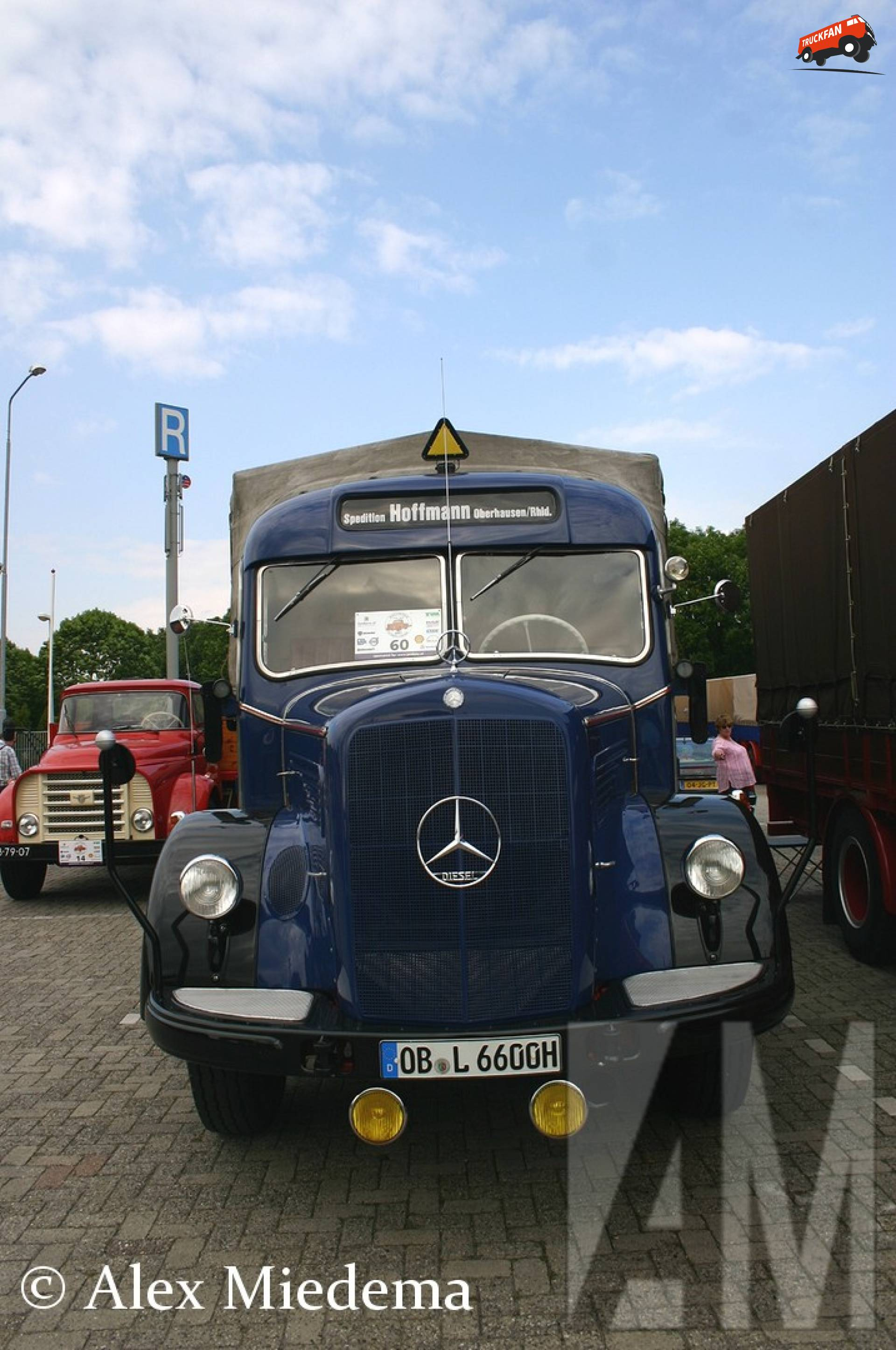 Mercedes-Benz L6600
