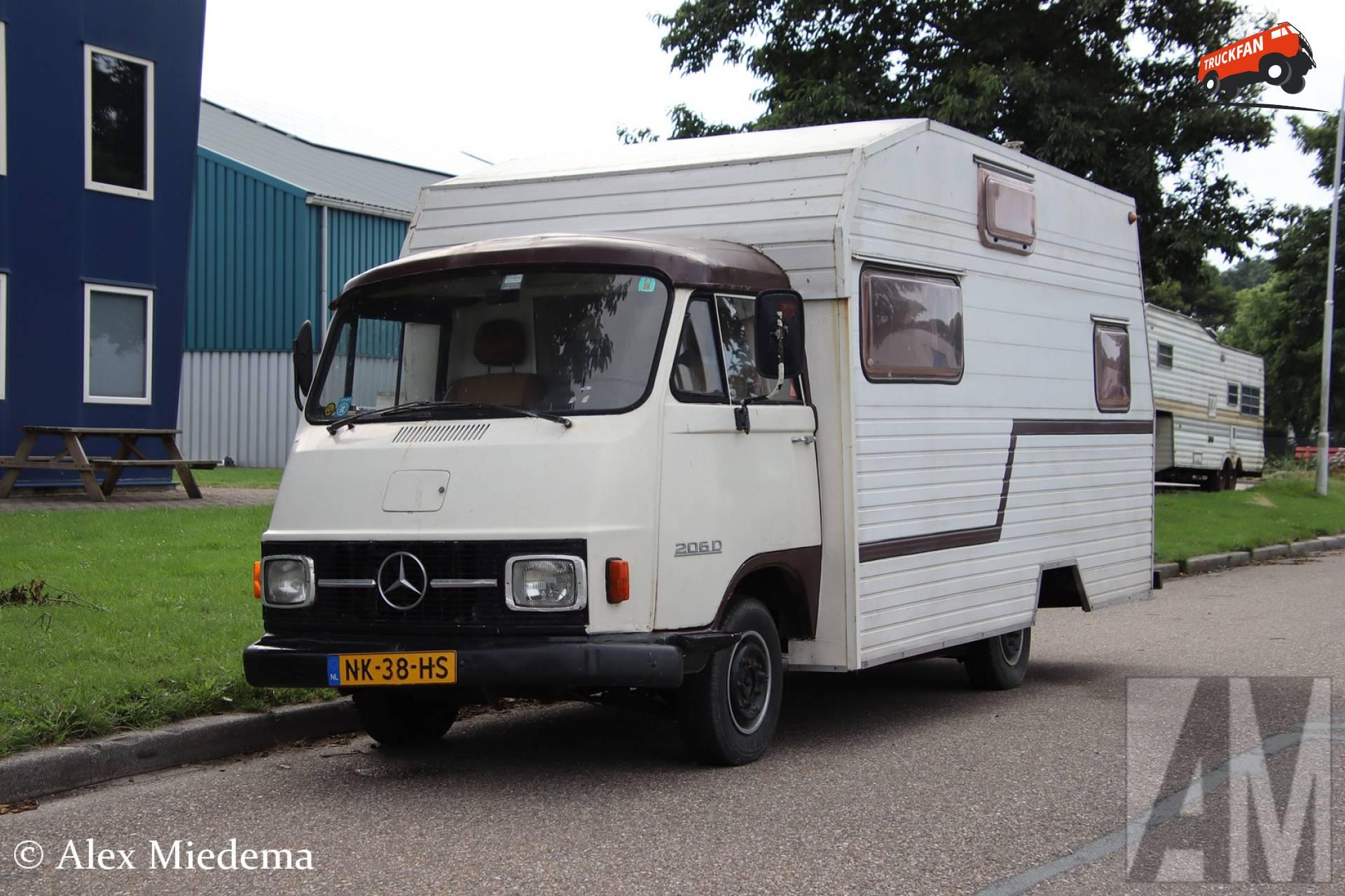 Mercedes-Benz L206D