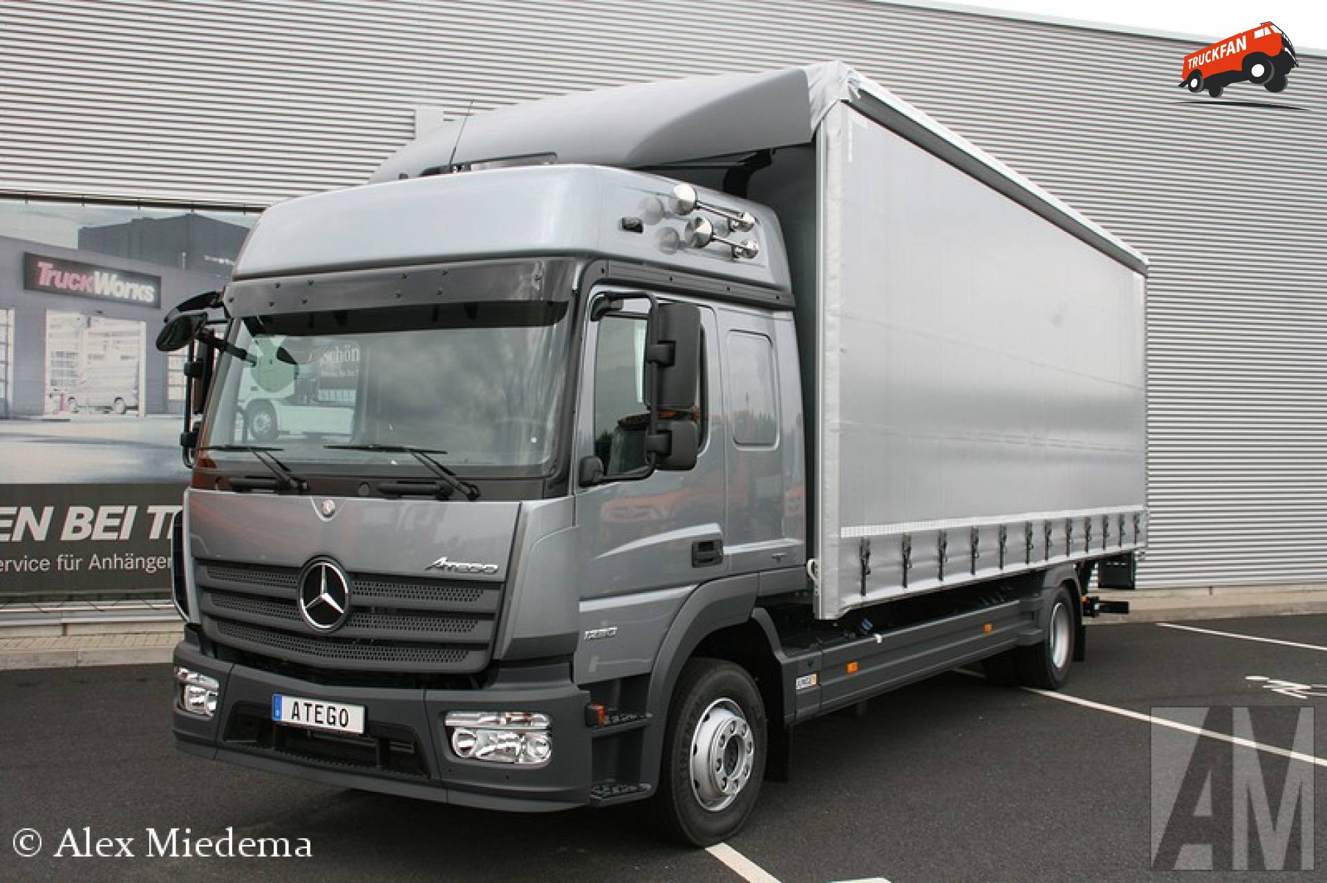 foto mercedes benz atego mp4 van mercedes benz eschweiler aachen. Black Bedroom Furniture Sets. Home Design Ideas
