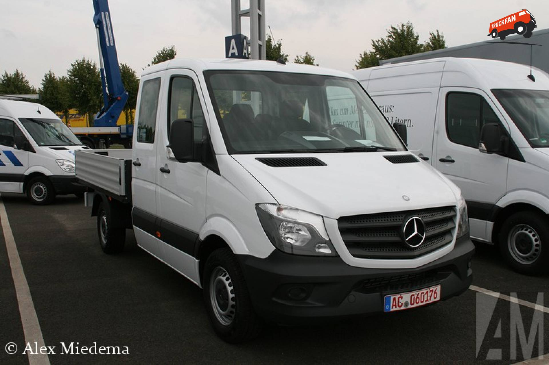 foto mercedes benz sprinter van mercedes benz eschweiler aachen. Black Bedroom Furniture Sets. Home Design Ideas