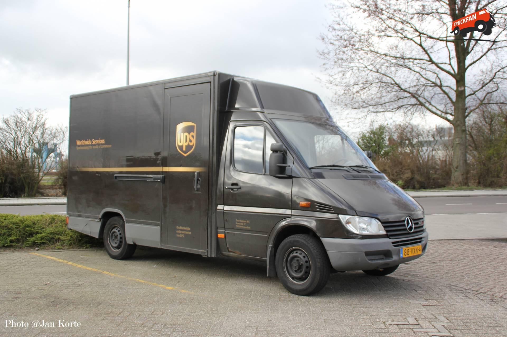 Ups special transport services b v transportfotos pagina 4 for Mercedes benz service b specials