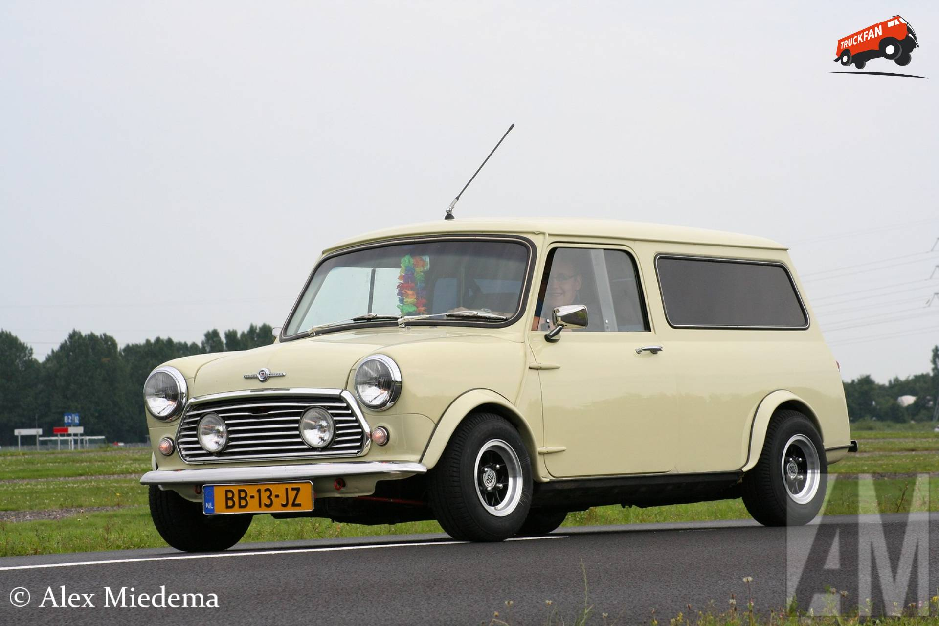 Mini 1000 Van