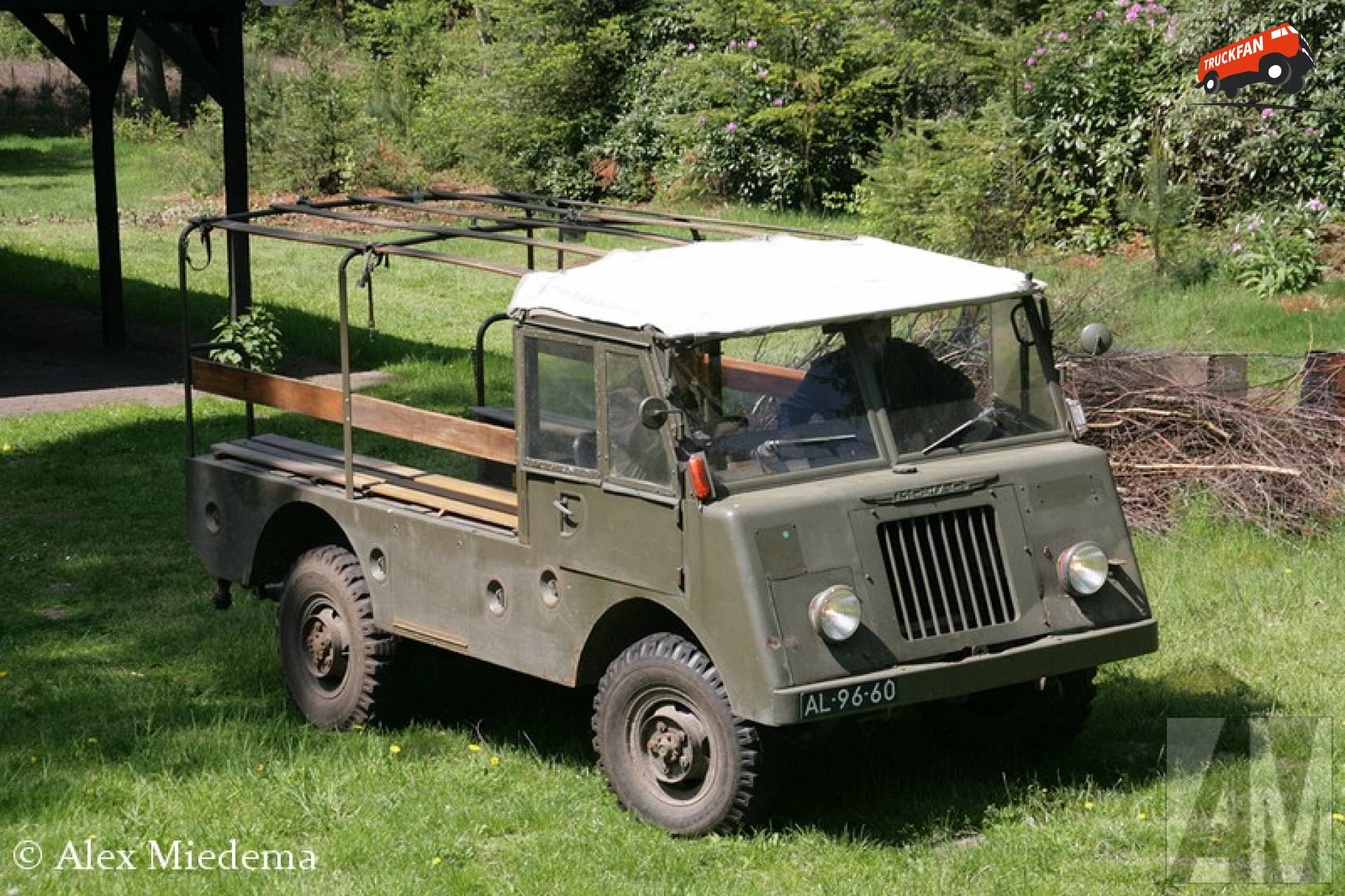 Mowag T1