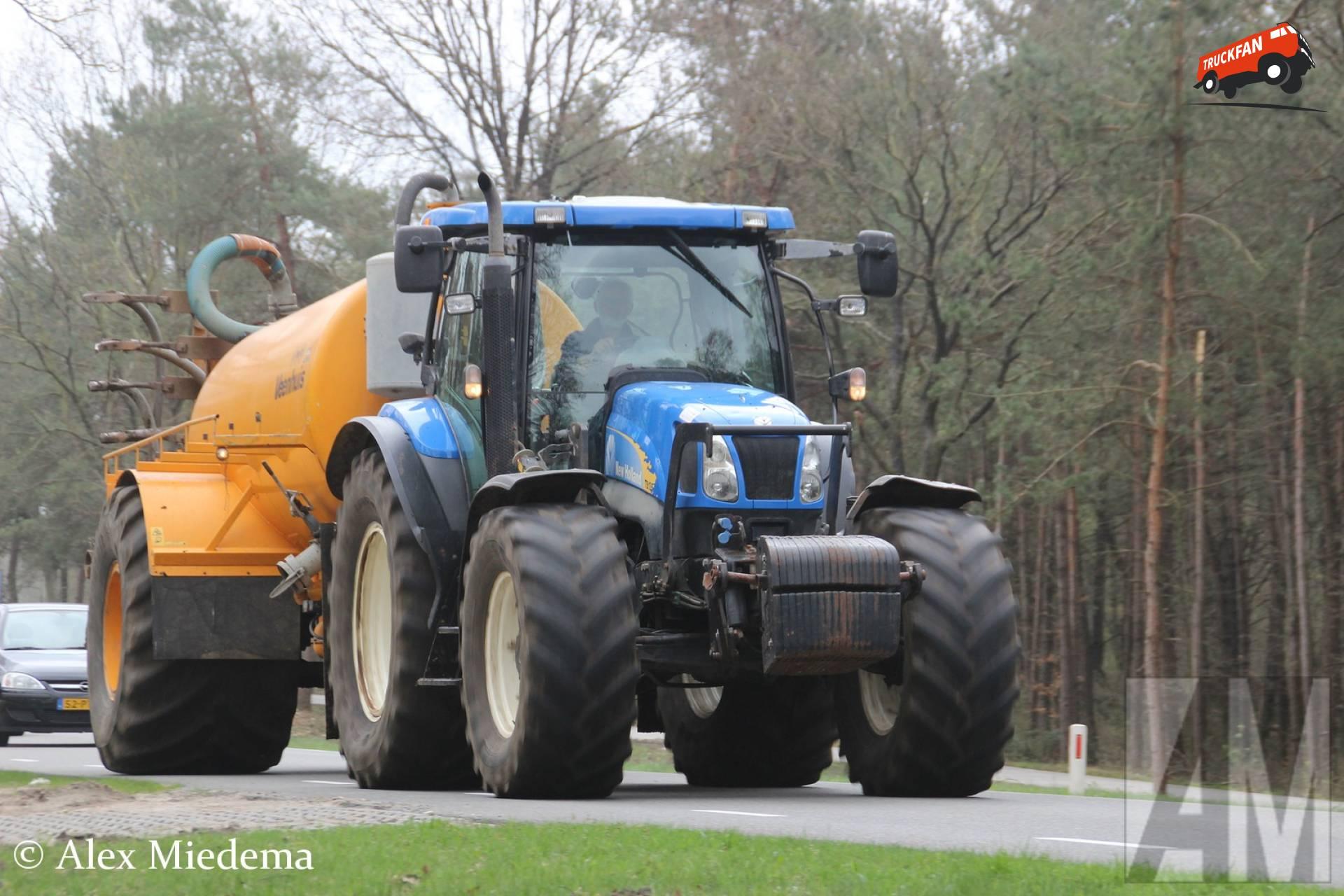 New Holland TS 135 A