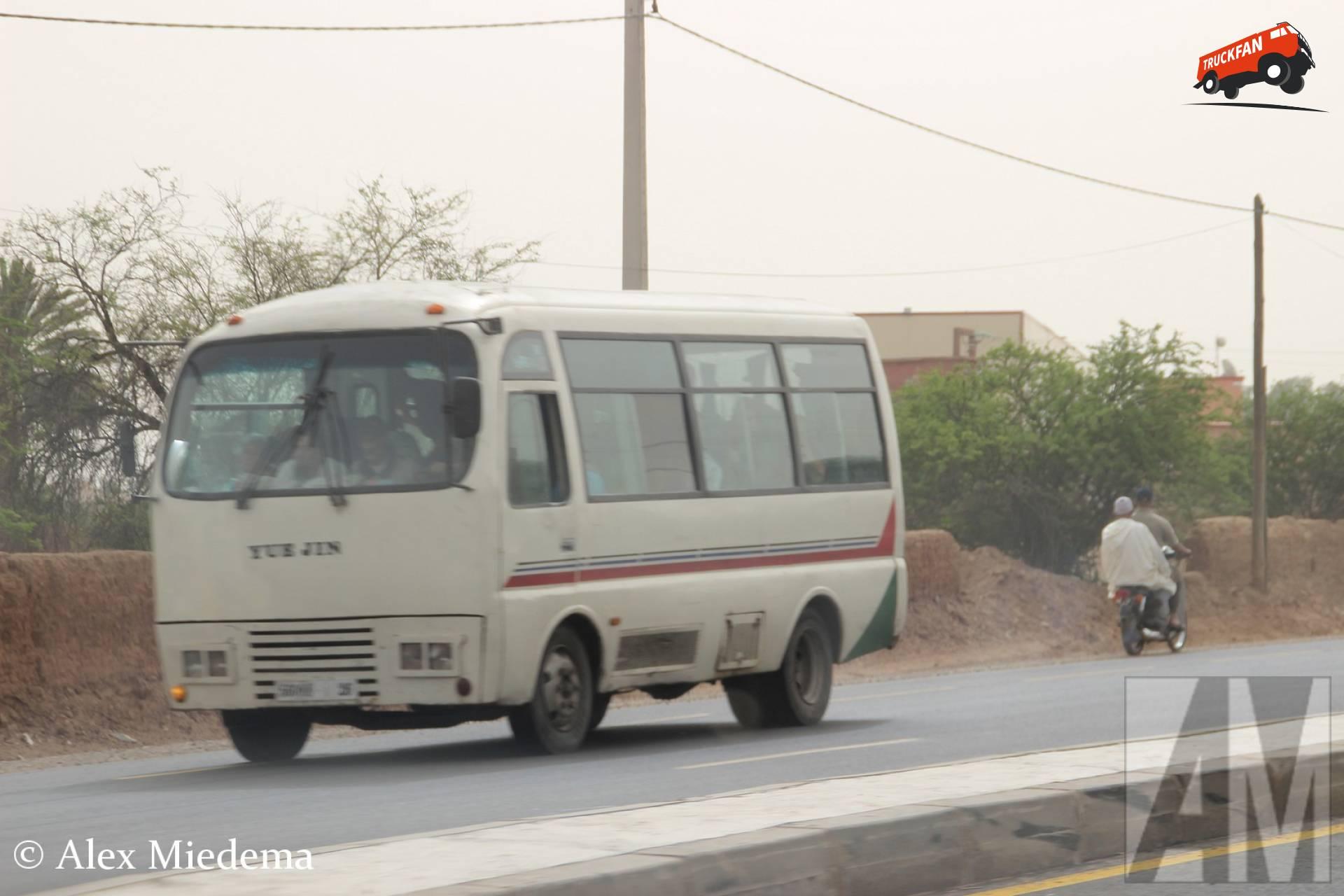 Yuejin bus