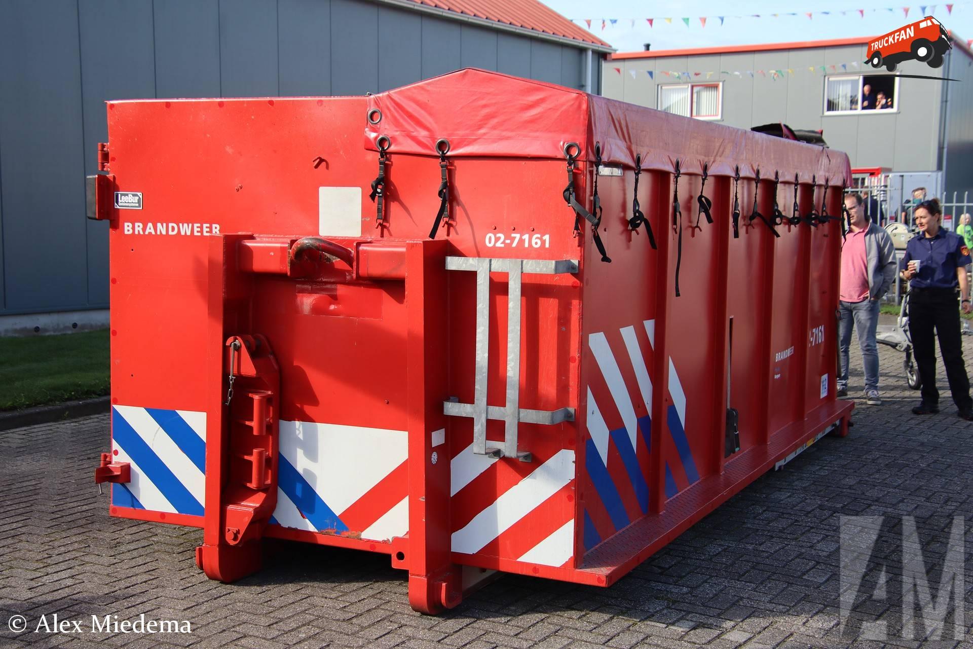 Leebur container