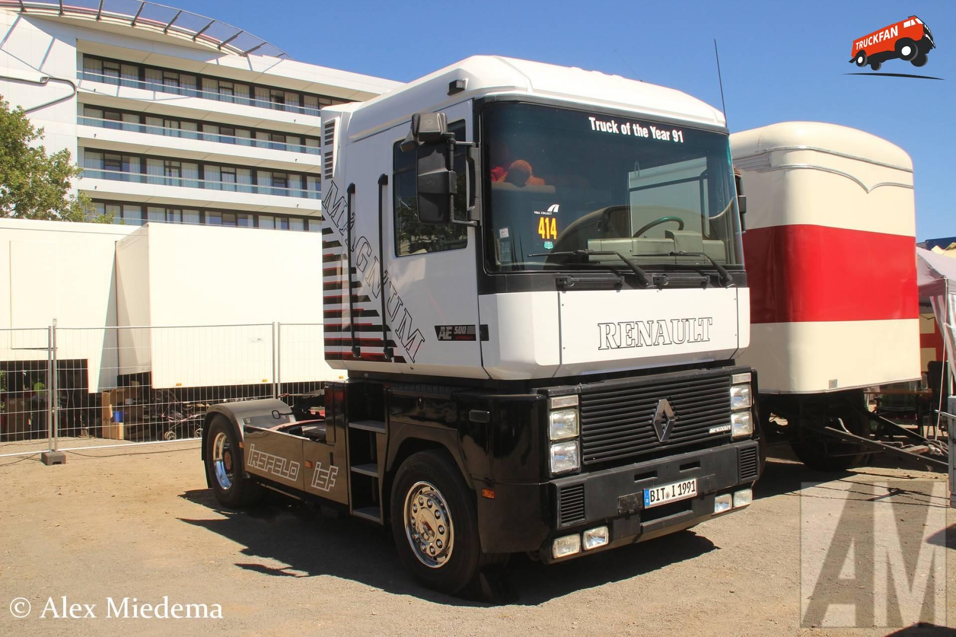 Renault AE (Magnum 1st gen)