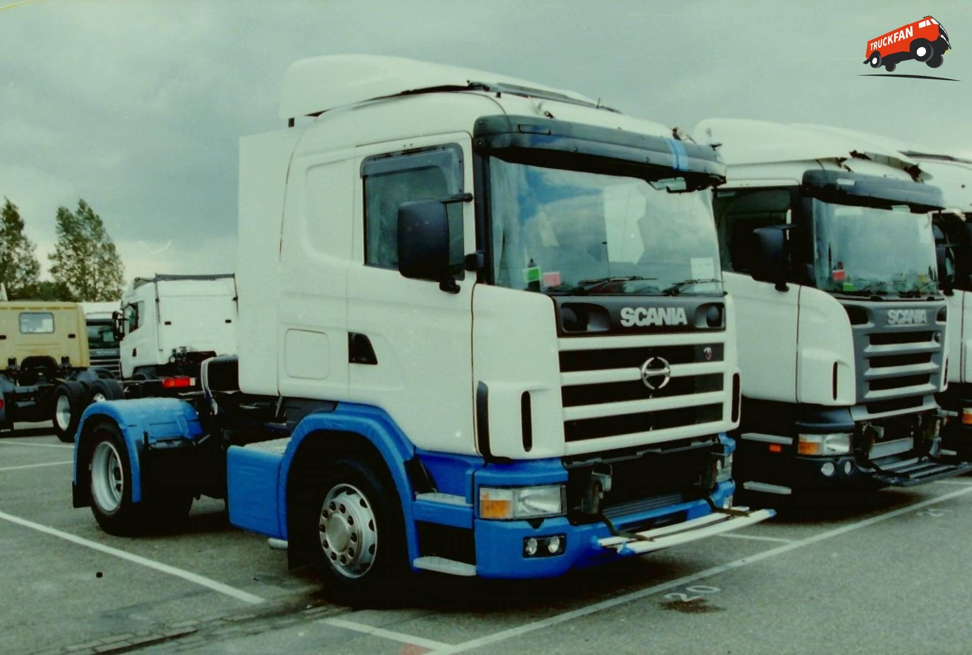 Scania-Hino 124
