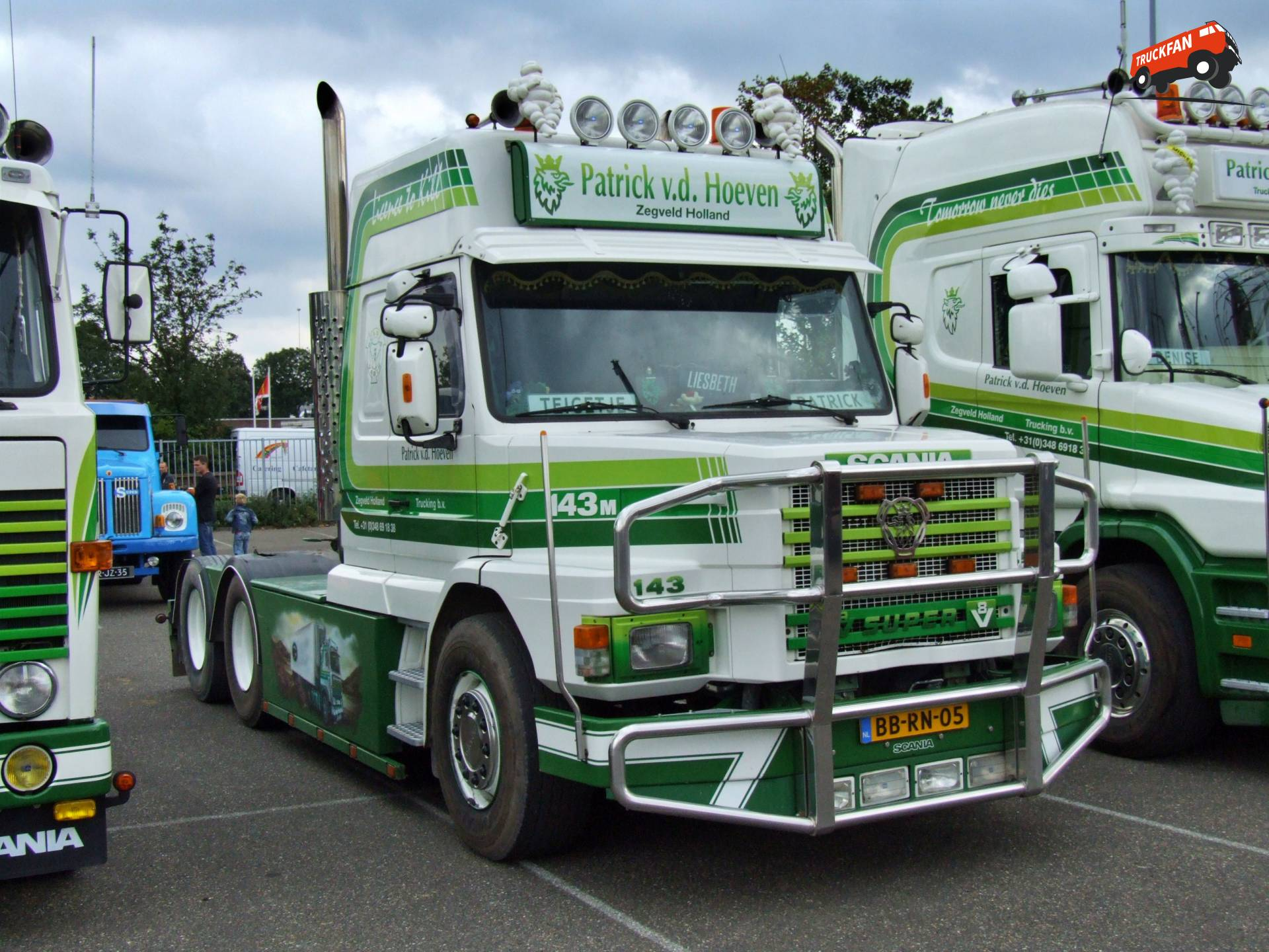 Scania T143