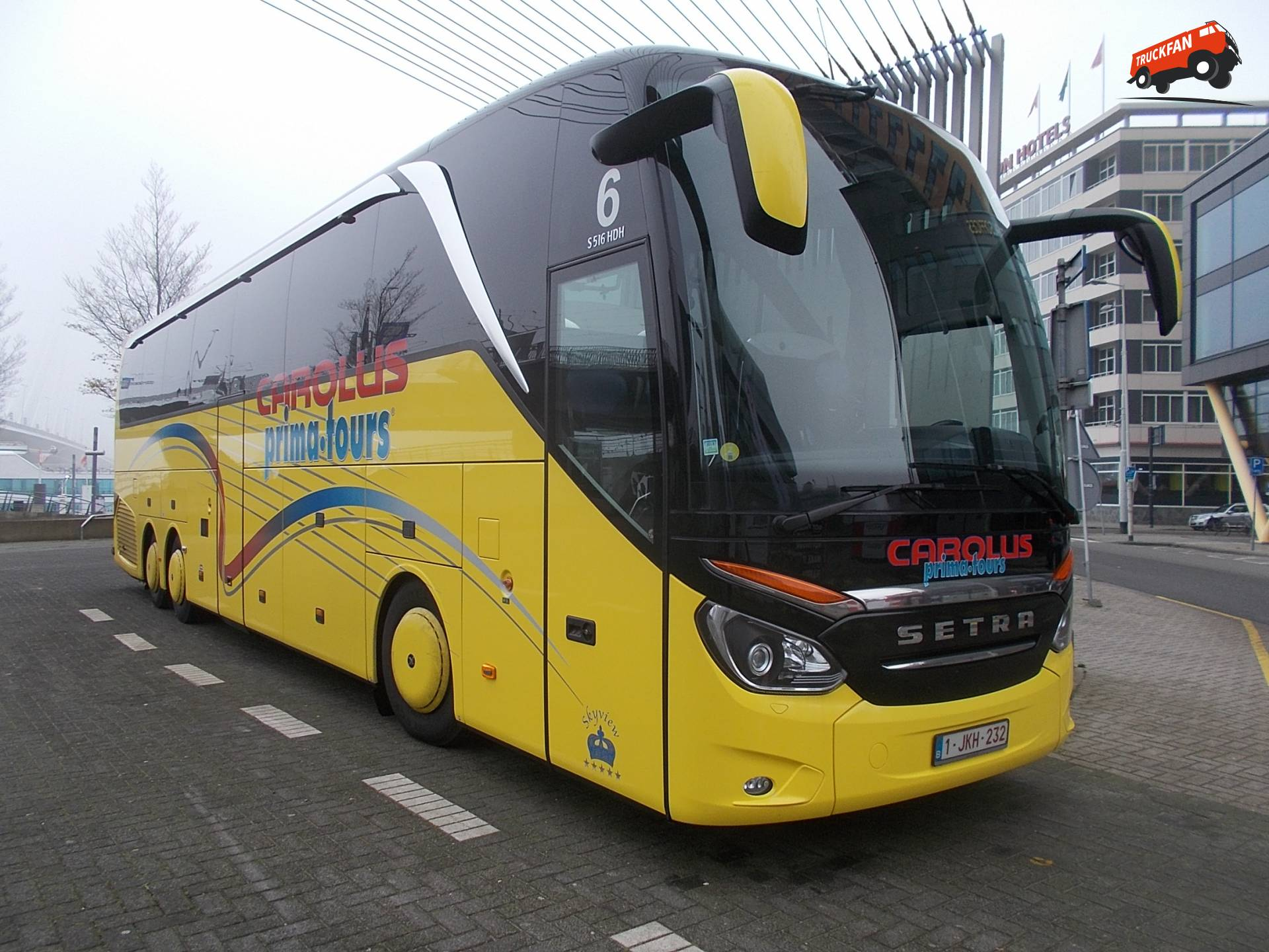 Setra S516HDH