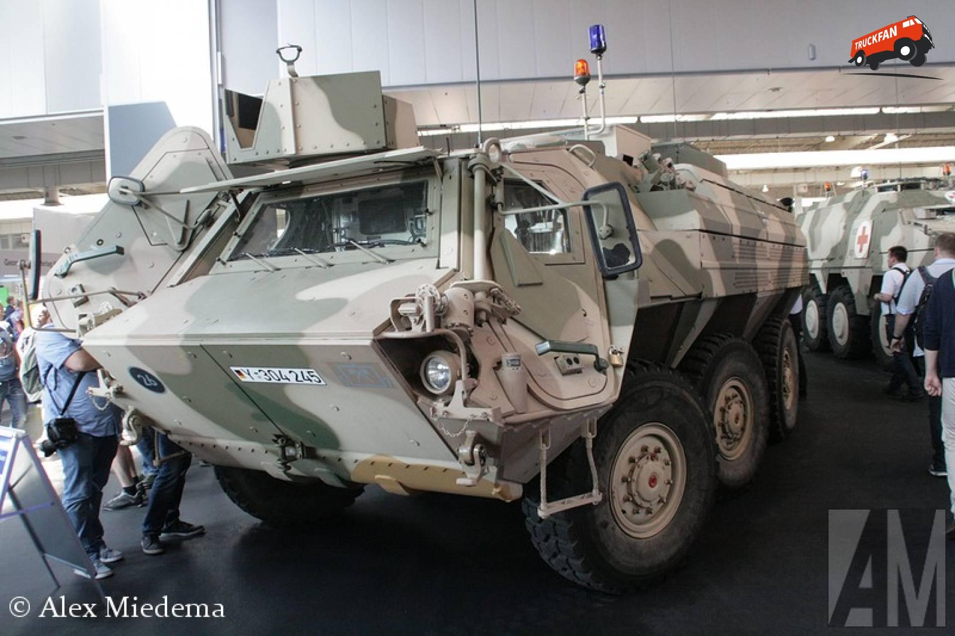Thyssen-Henschel Transportpanzer 1A8