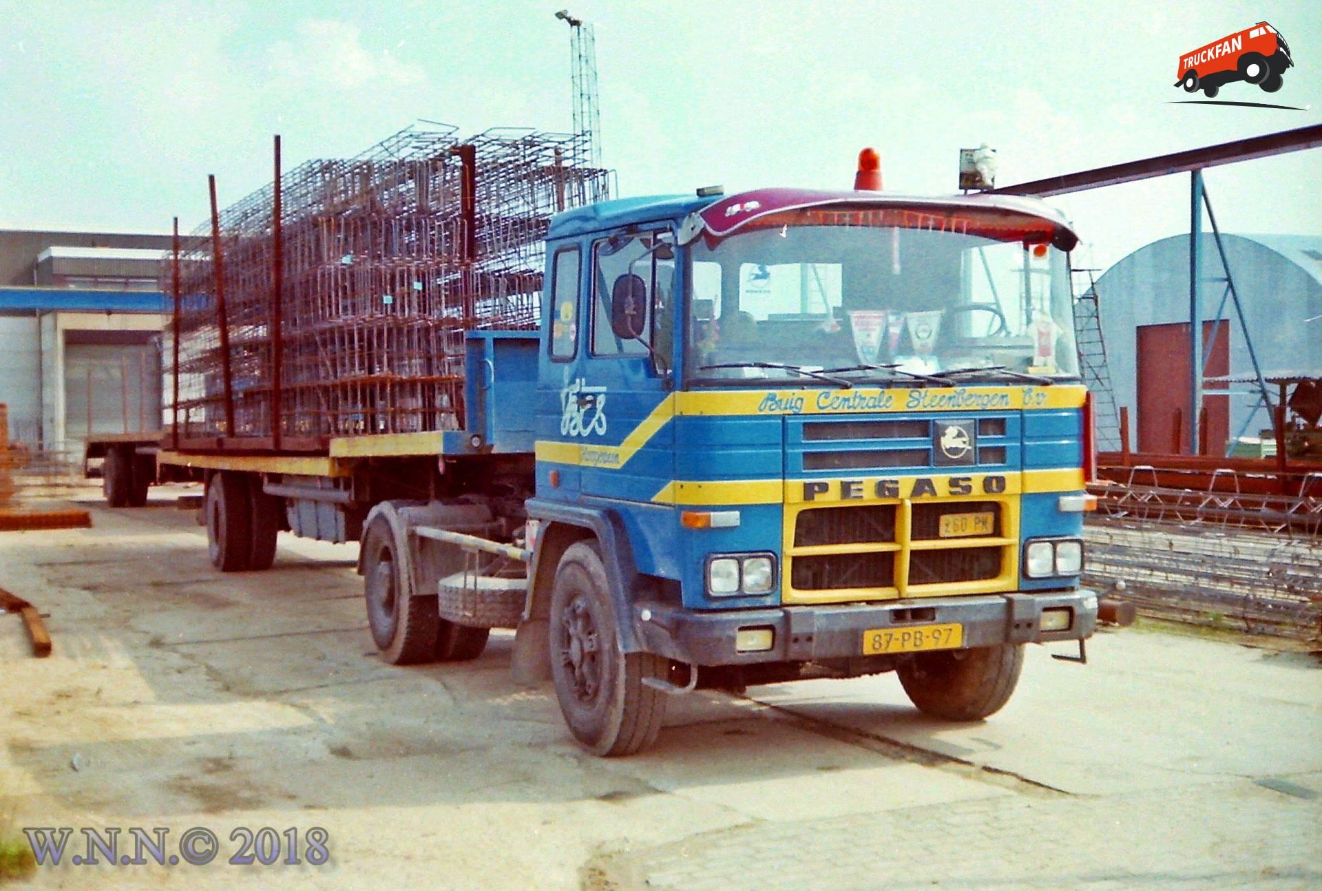 vrachtwagen Pegaso