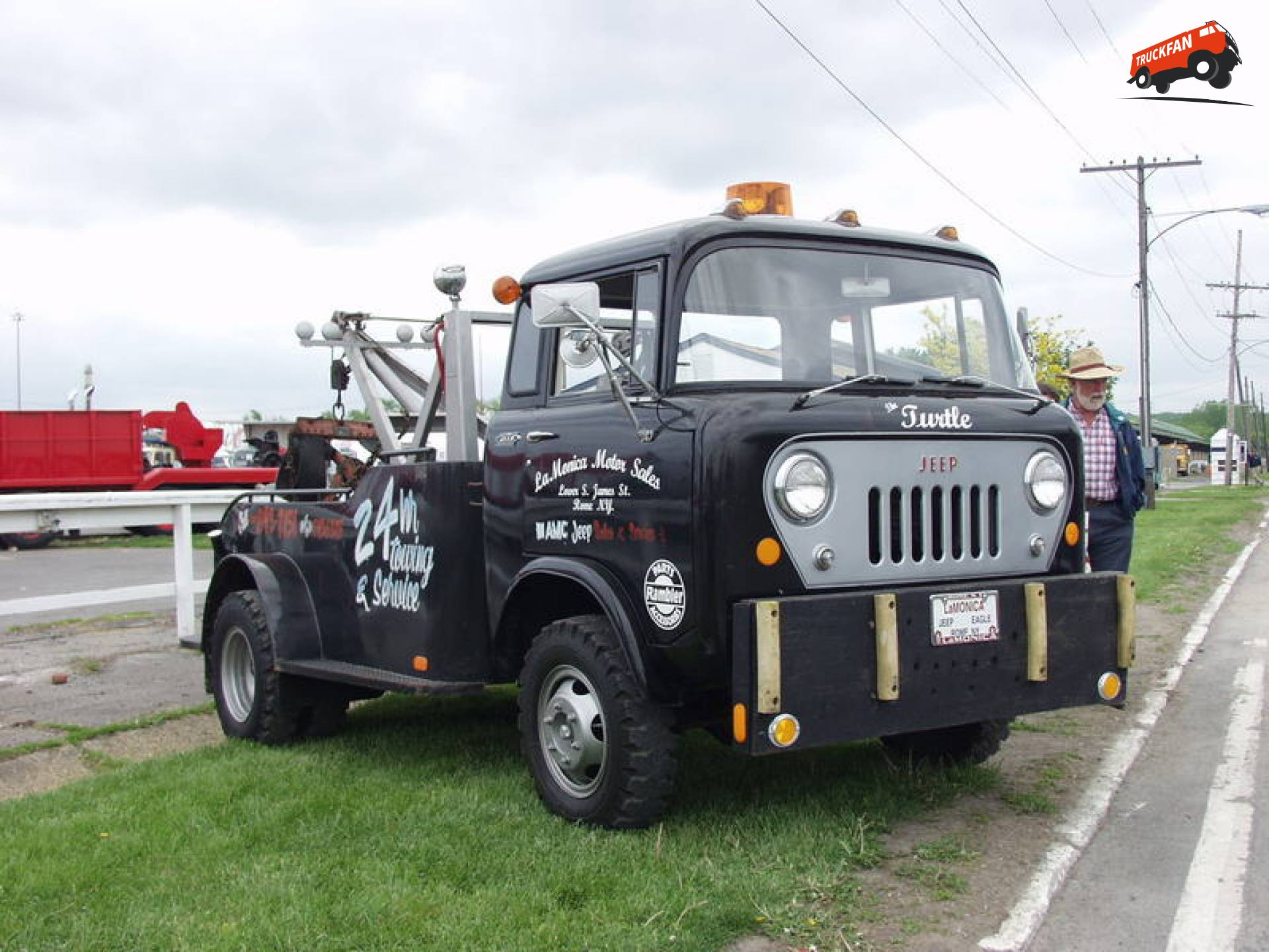 Willys FC 170