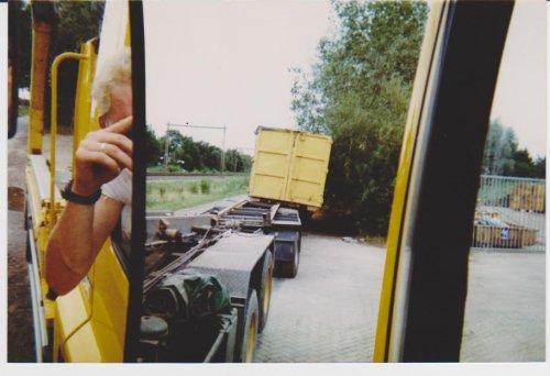 DAF 85, foto van vastgereden