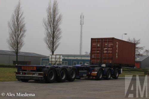 D-TEC containerchassis, foto van Alex Miedema