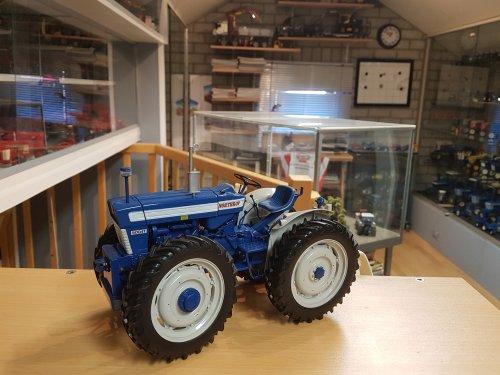 Landbouw miniaturen 1:16 Ford, foto van Ford6000