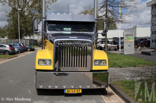 Freightliner FLD, foto van Alex Miedema