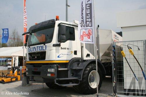 Panien Rhino (vrachtwagen), foto van Alex Miedema