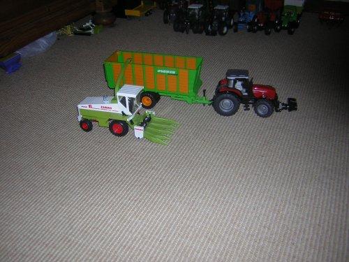 Landbouw miniaturen 1:32 Claas, foto van klontje