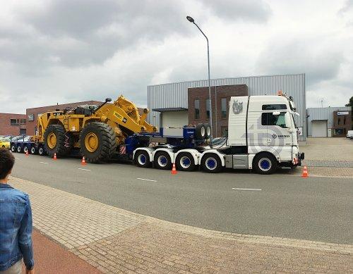 MAN TGX 2nd gen (vrachtwagen), foto van deutz dx 470