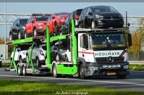 Kässbohrer Actros (vrachtwagen), foto van sem-beekers