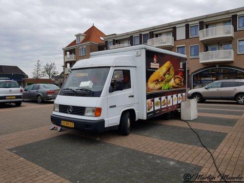 Mercedes-Benz MB100 (vrachtwagen), foto van MartijnM71